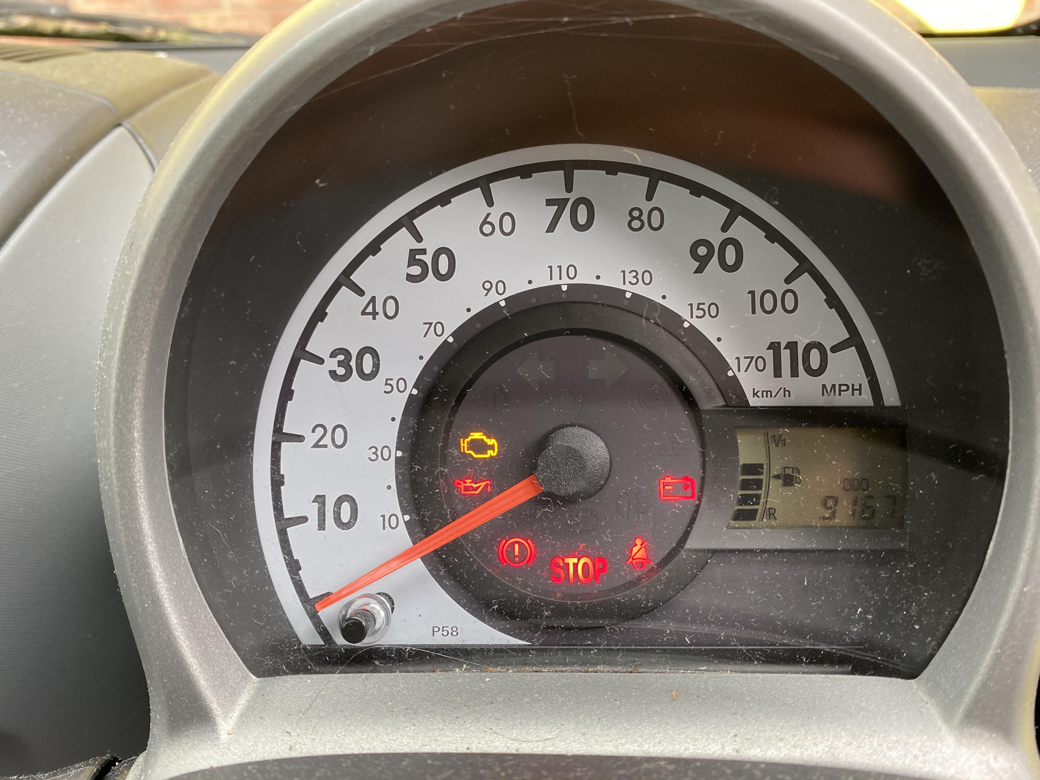 [MA61 KPU] 2011 Peugeot 107 1.0 Urban Lite 3-door hatchback in Yellow, 9,167 Miles, MOT expired - Image 4 of 7