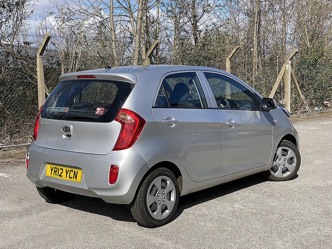 [YR12 YCN] 2012 Kia Picanto 1.0 petrol, 5-door hatchback in Silver, 13,787 Miles, 1 previous keeper, - Image 2 of 6