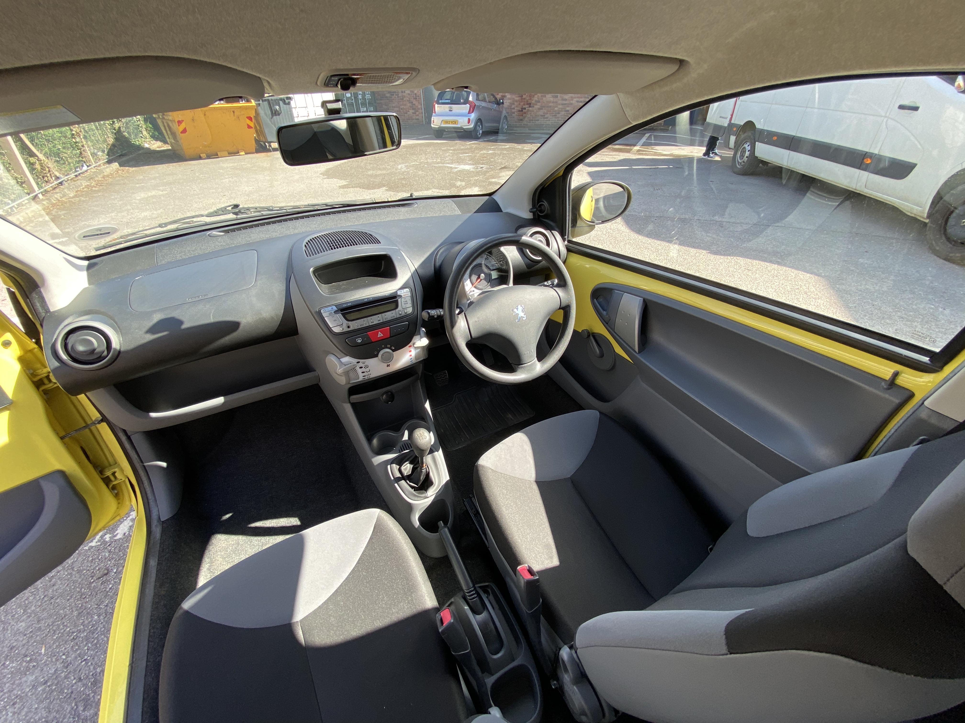 [MA61 KPU] 2011 Peugeot 107 1.0 Urban Lite 3-door hatchback in Yellow, 9,167 Miles, MOT expired - Image 3 of 7