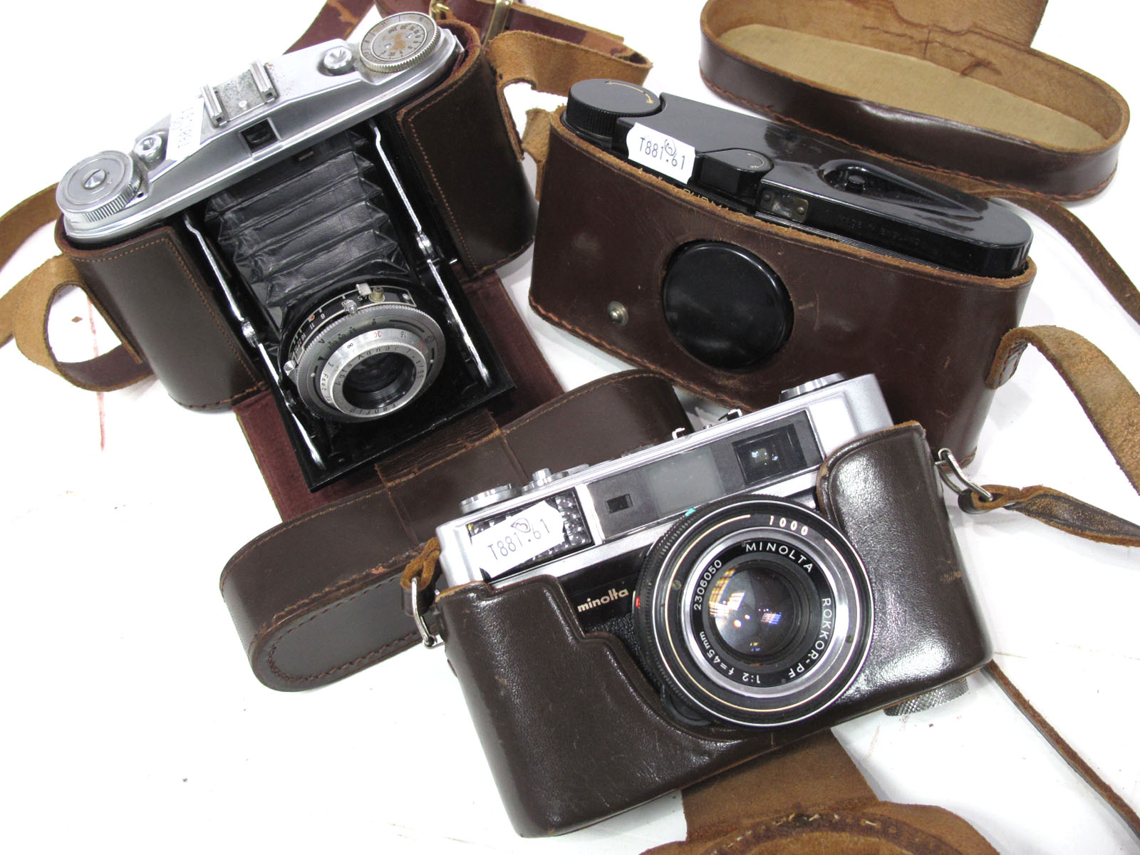 Agfa Isolette, Minolta Al and a Purma Special camera. (3)