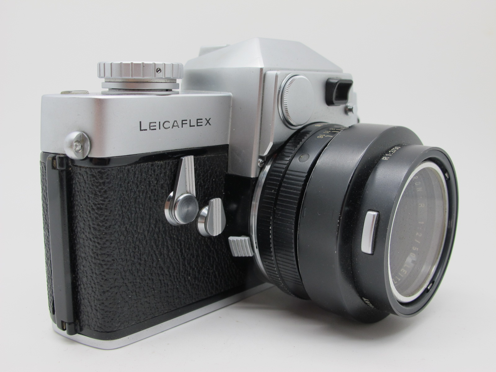 Leicaflex Manual Camera, with Leitz Wetzlar Summicron - R 1:2/50 lens in a black case. - Image 4 of 8