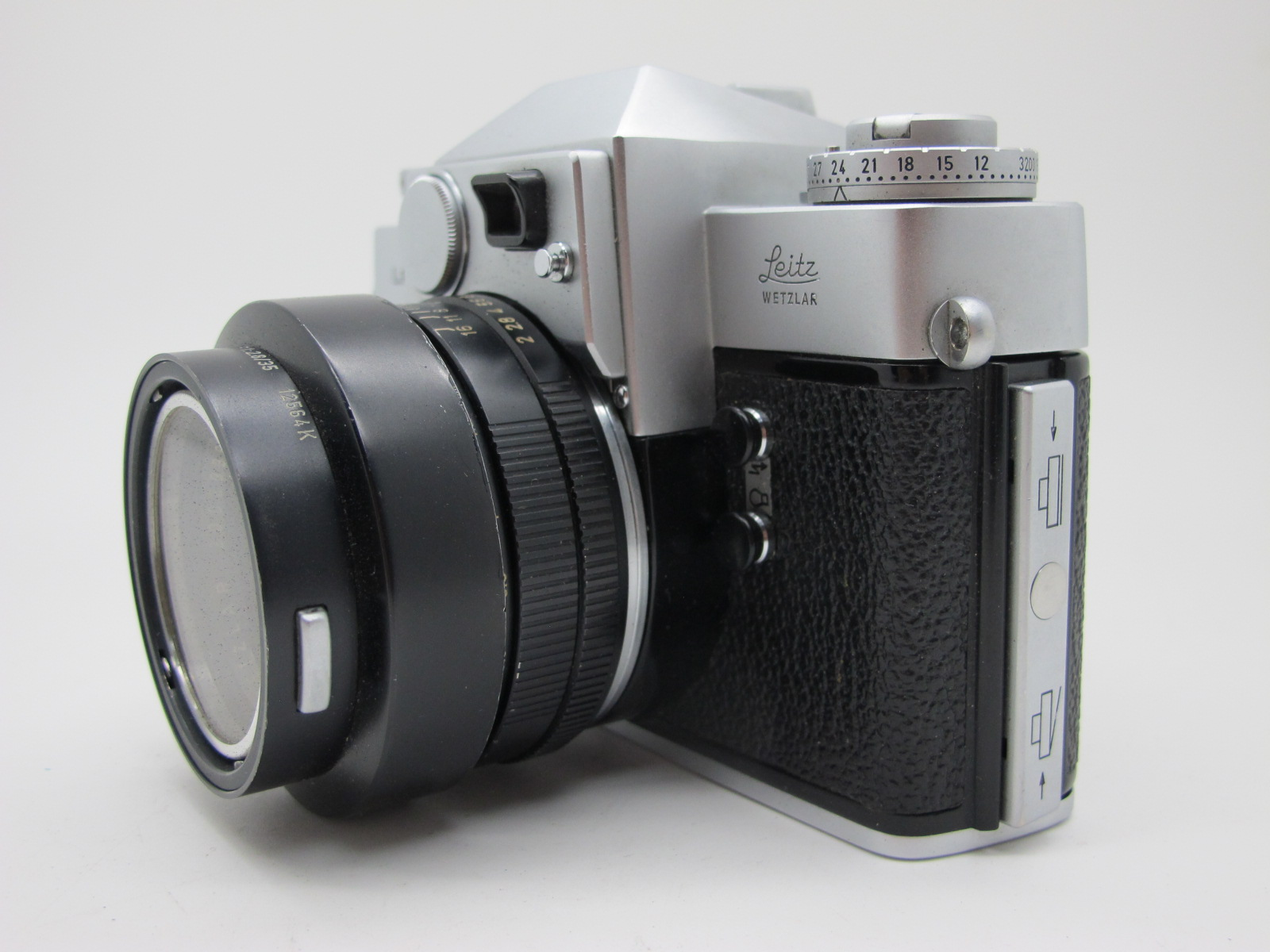 Leicaflex Manual Camera, with Leitz Wetzlar Summicron - R 1:2/50 lens in a black case. - Image 6 of 8