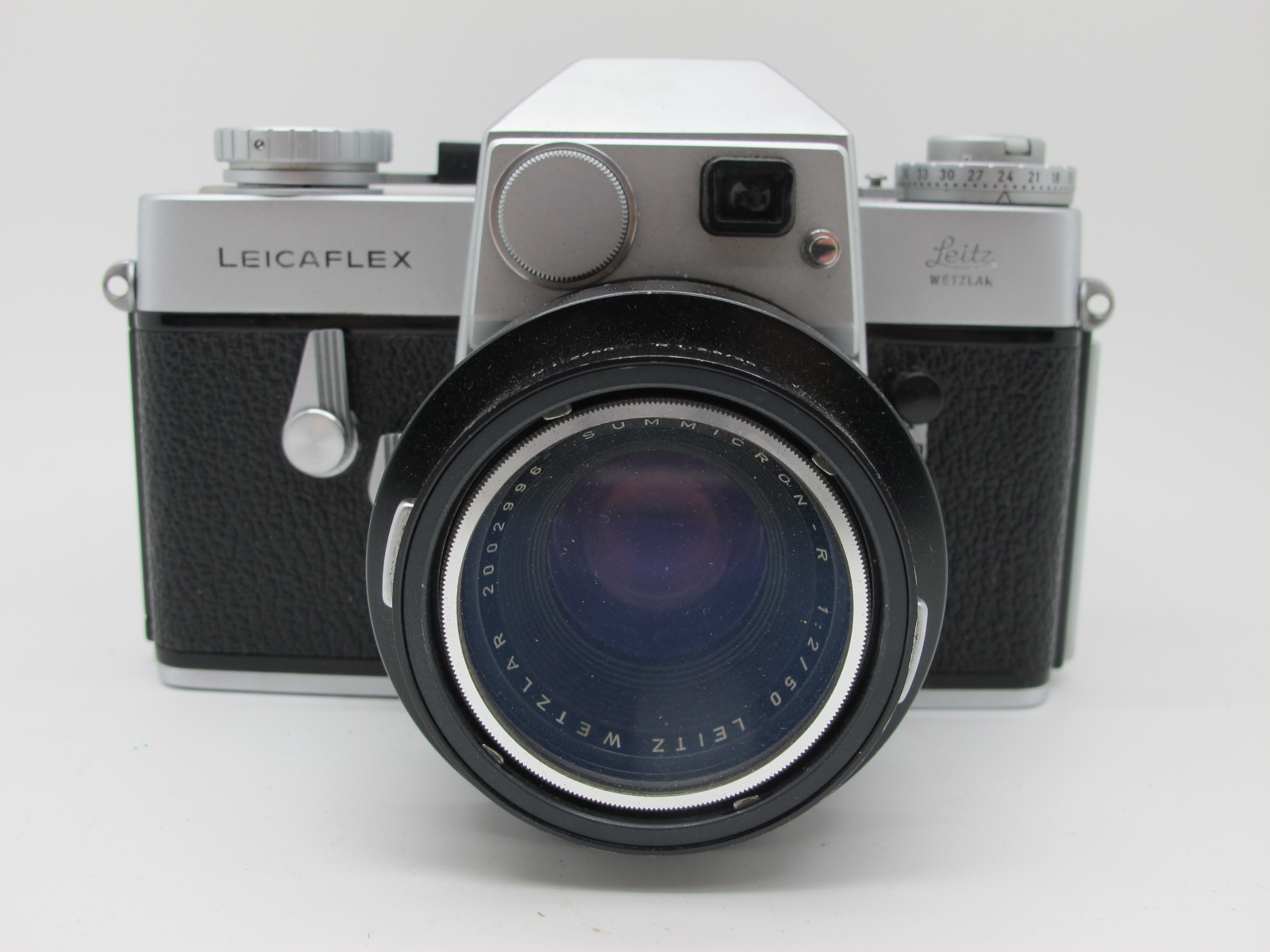 Leicaflex Manual Camera, with Leitz Wetzlar Summicron - R 1:2/50 lens in a black case. - Image 3 of 8