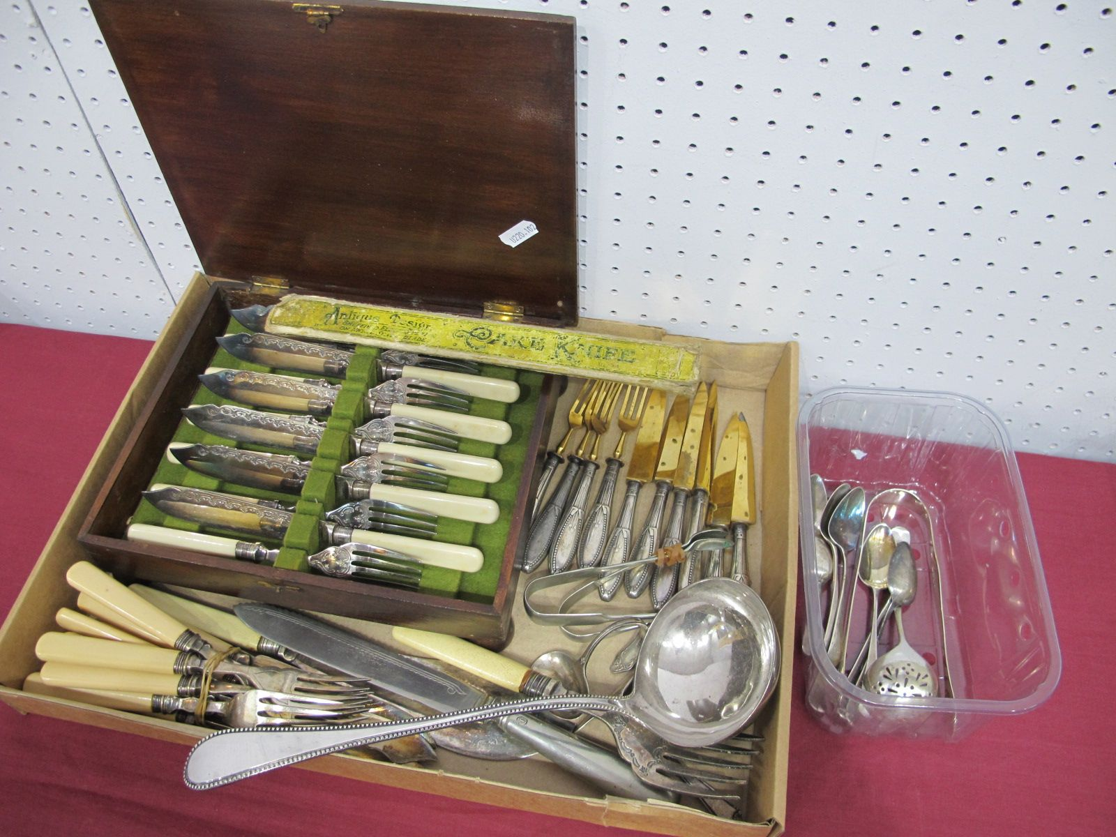 A Matched Set of Six Hallmarked Silver Old English Pattern Teaspoons, GB, possibly London 1795,