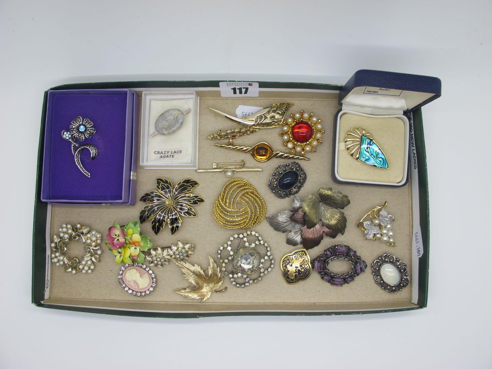 Assorted Costume Brooches, including New Zealand Ariki paua shell set brooch, ceramic posy, 'crazy