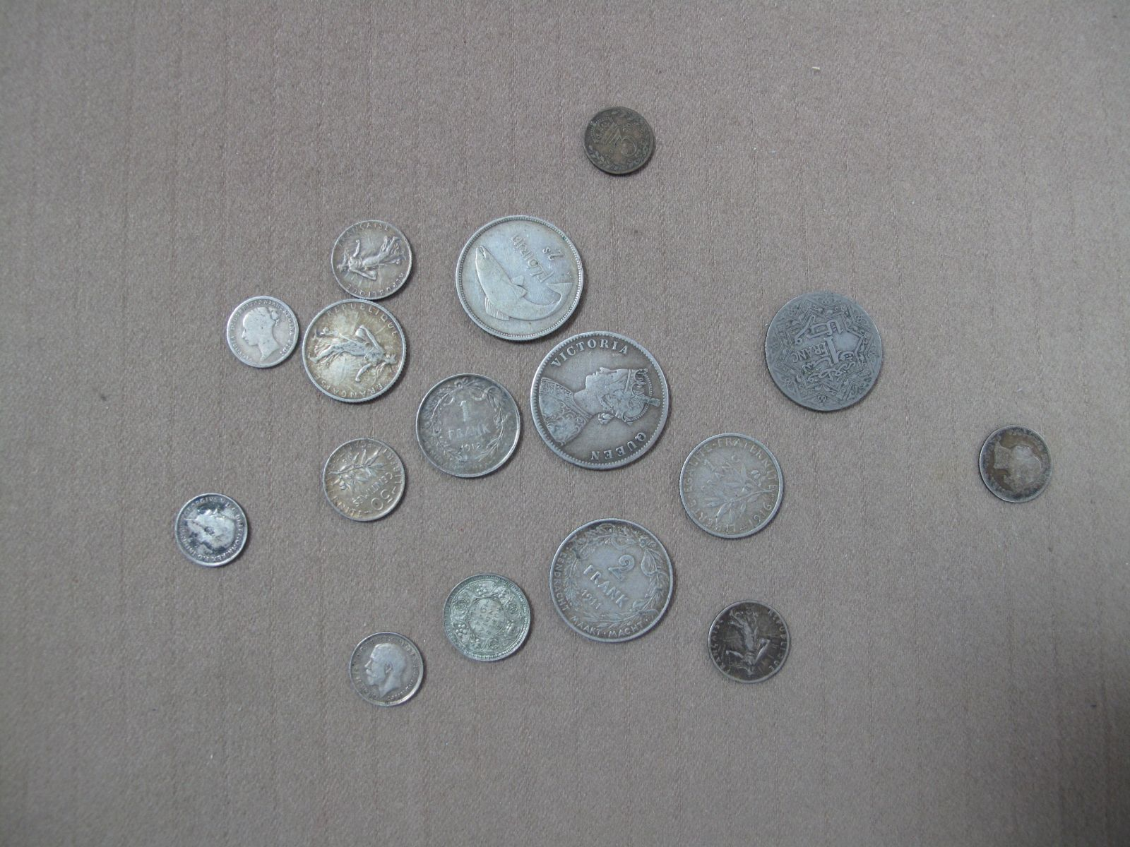 A Small Collection of GB and Foreign Pre 1947 Silver Coins, includes 1862 One Rupee, 1911 Belgium