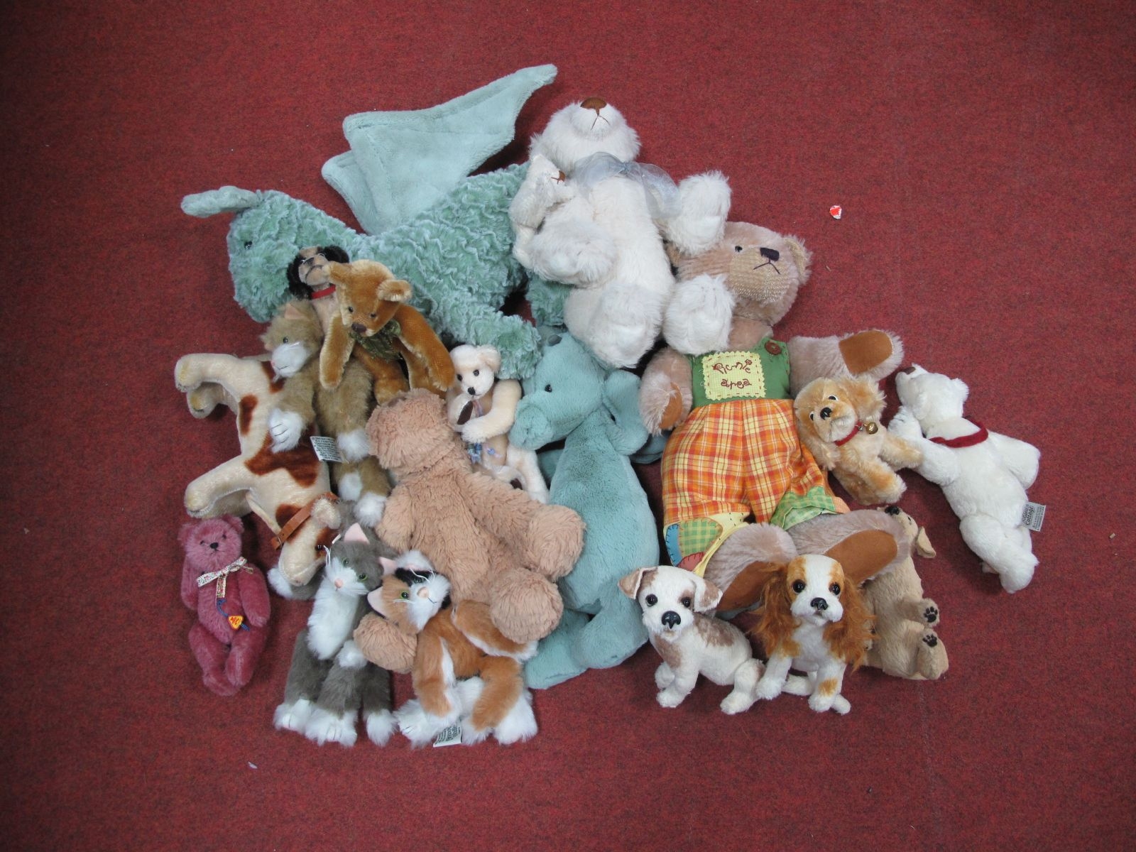 A Collection of Eighteen Soft Toys, to include Jelly Cat, Bartons Creek, Ganz Cottage, etc.