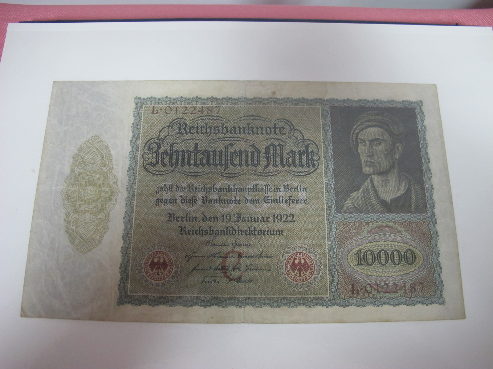 A Collection of mainly U.S.A and German Banknotes, over twenty six US Dollars noted, worthy of - Image 7 of 7