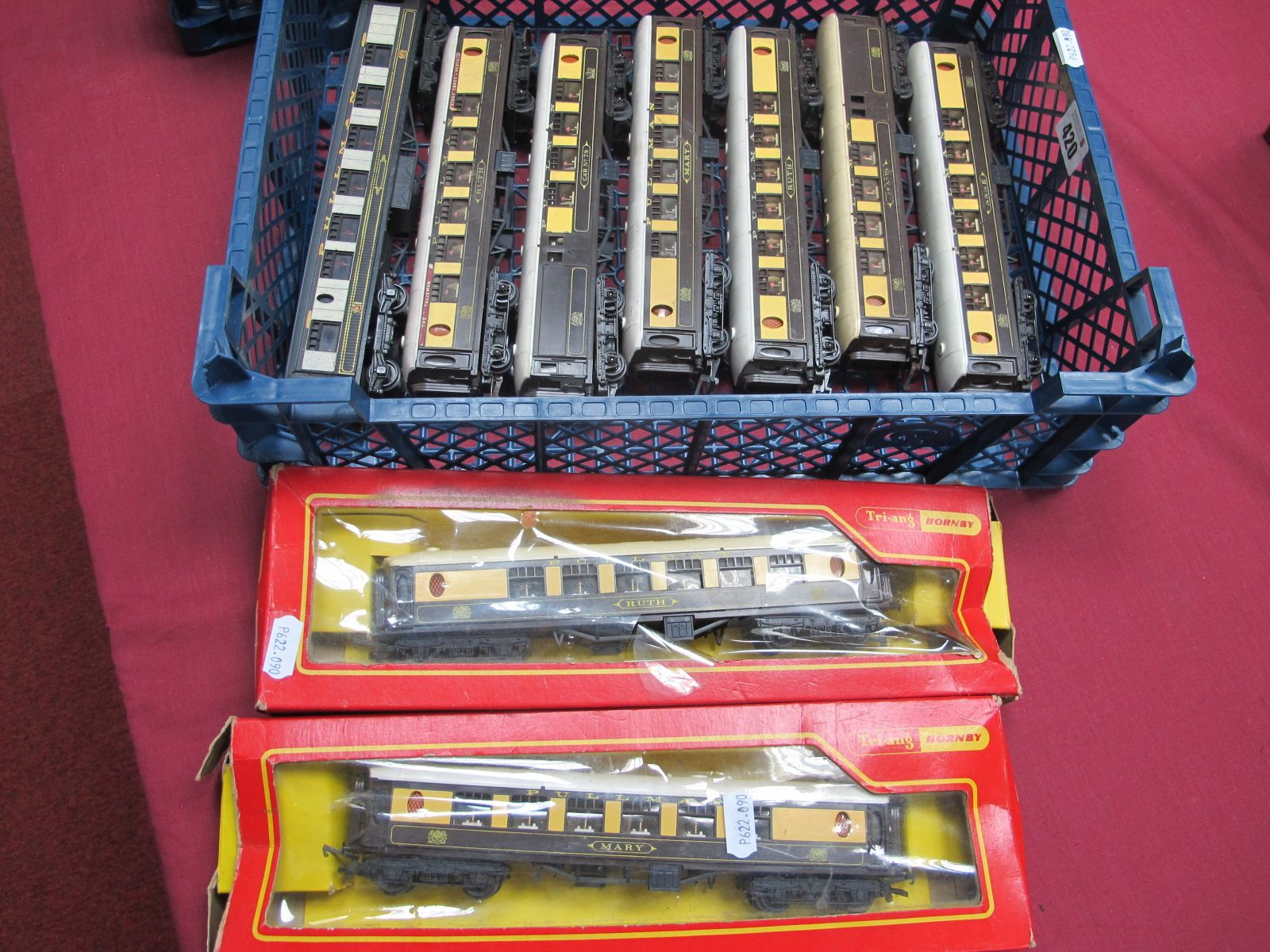 Nine 'OO' Gauge/4mm Pullman Coaches, by Hornby, Triang etc, unboxed fair to good, two in poor box'