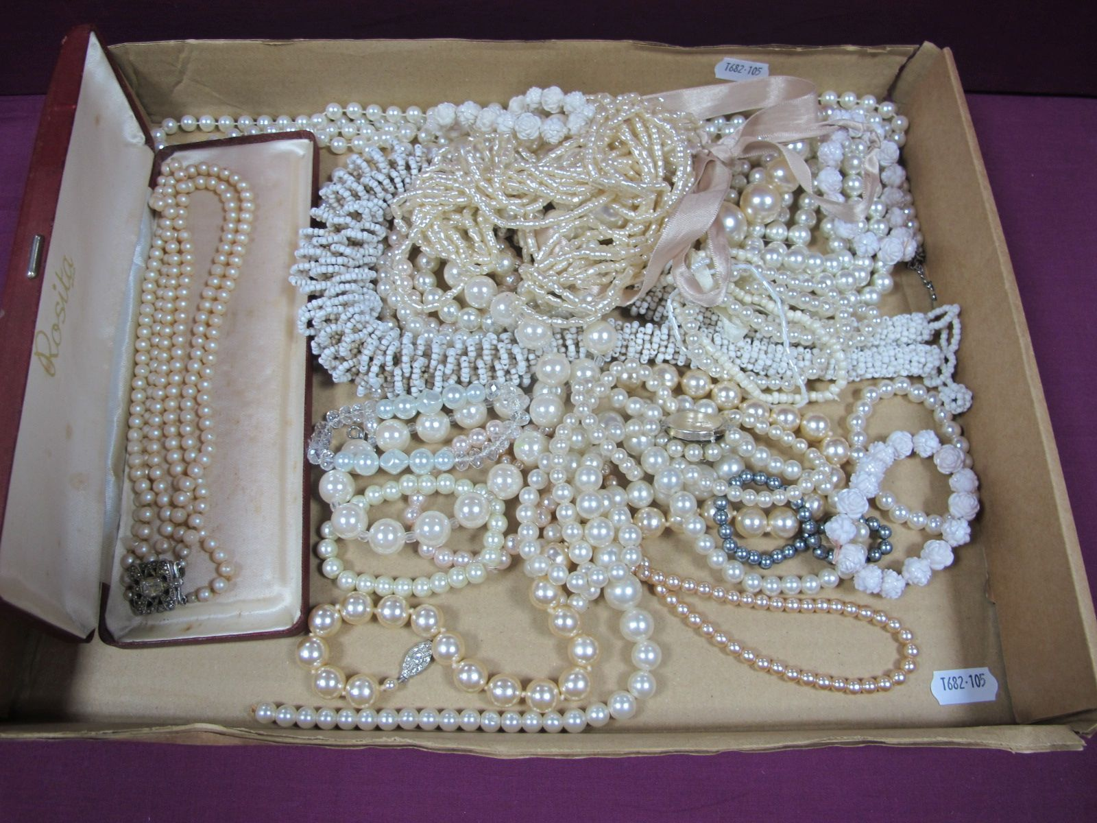 A Mixed Lot of Imitation Pearl Costume Jewellery, including bracelets, necklaces etc.