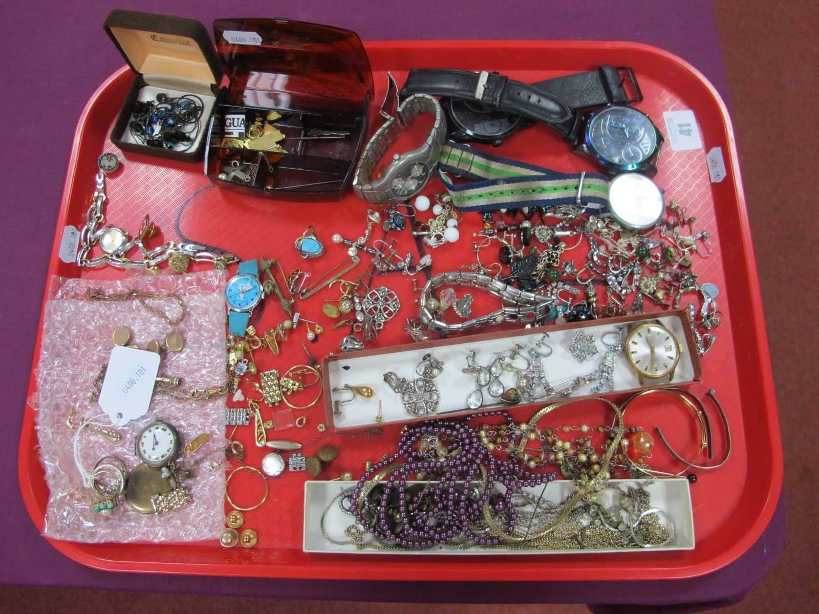 A Mixed Lot of Assorted Costume Jewellery, including a pearl and turquoise set cluster ring (one