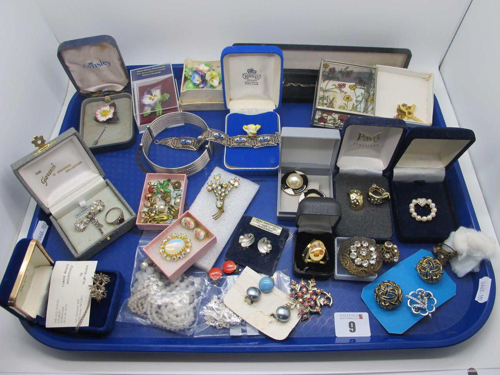 Assorted Costume Jewellery, including Delft filigree panel bracelet, ceramic posy brooches,