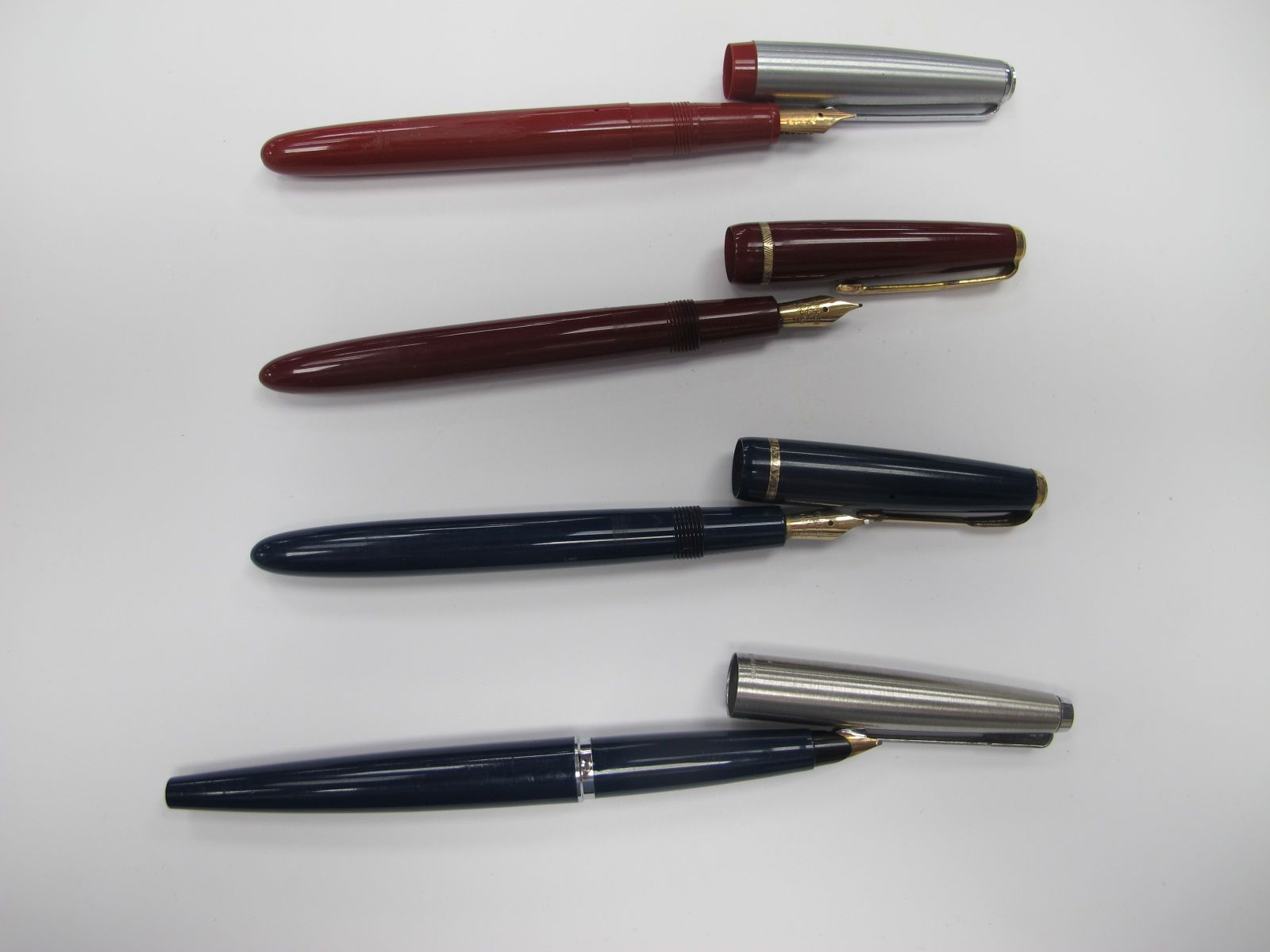 Fountain Pens - Parker Slimfold with Parker 14ct Nib, press bar to fill, blue in colour. Fountain