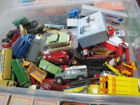 A Quantity of Loose Modern Diecast, various scales; cars, commercials. buses, coaches, etc, (good to