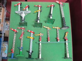 Eight Hornby 'O' Gauge Signals, includes a gantry example, unboxed, fair to very good.
