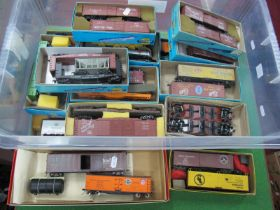 Twenty Boxes of Two Items Each (Forty Items in Total) of 'HO' Gauge U.S.A Outline Rolling Stock,