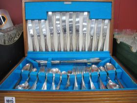 A Canteen of Bravingtons Cutlery.