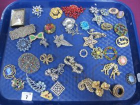 A Mixed Lot of Assorted Costume Brooches :- One Tray