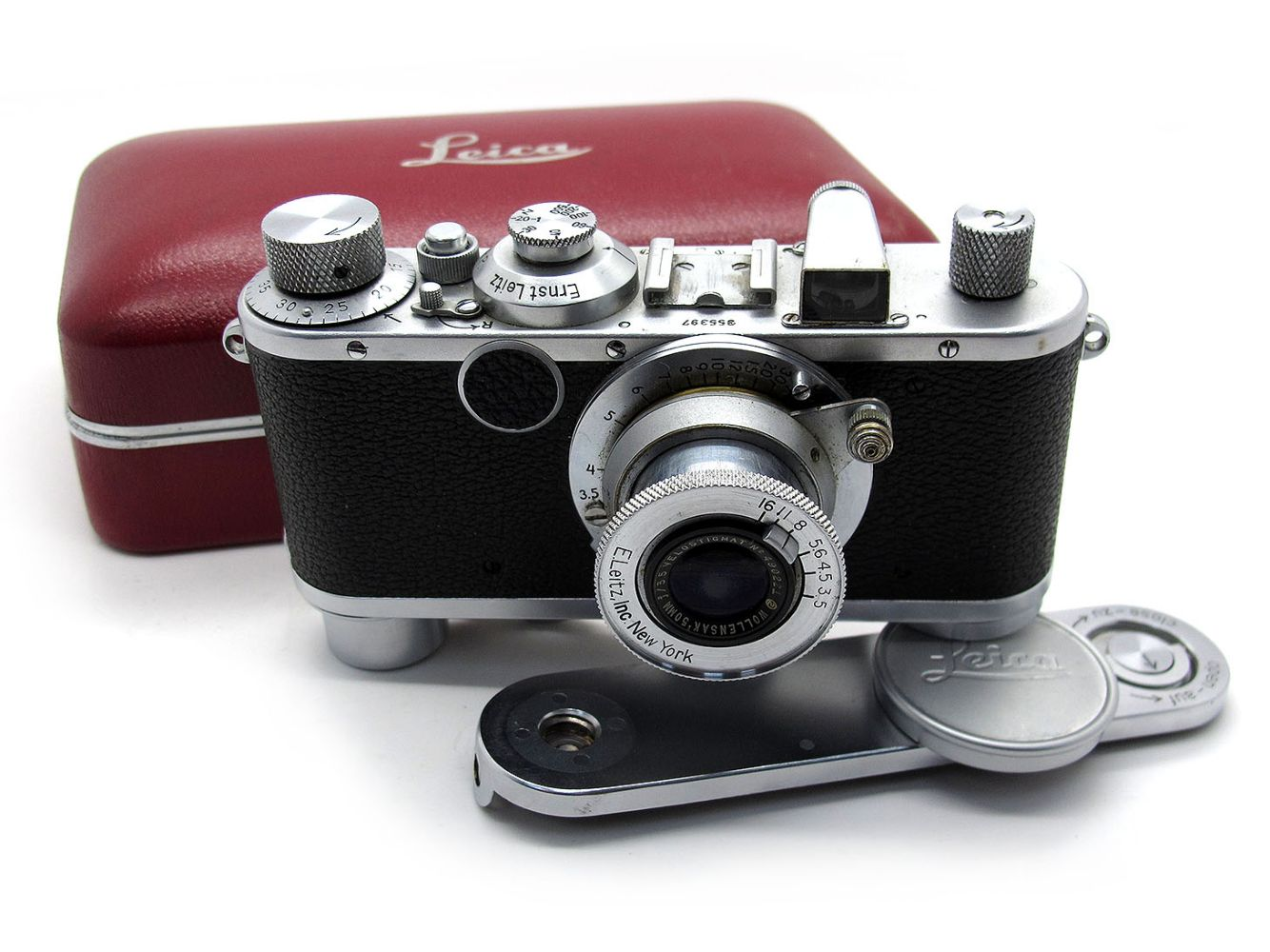 Leica and Other Cameras & Photographica Auction