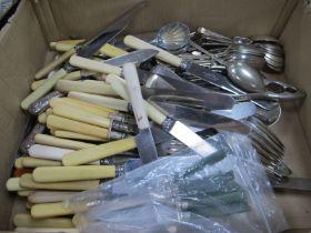 Six Tea Knives, having silver ferrules, lots of other flatware.