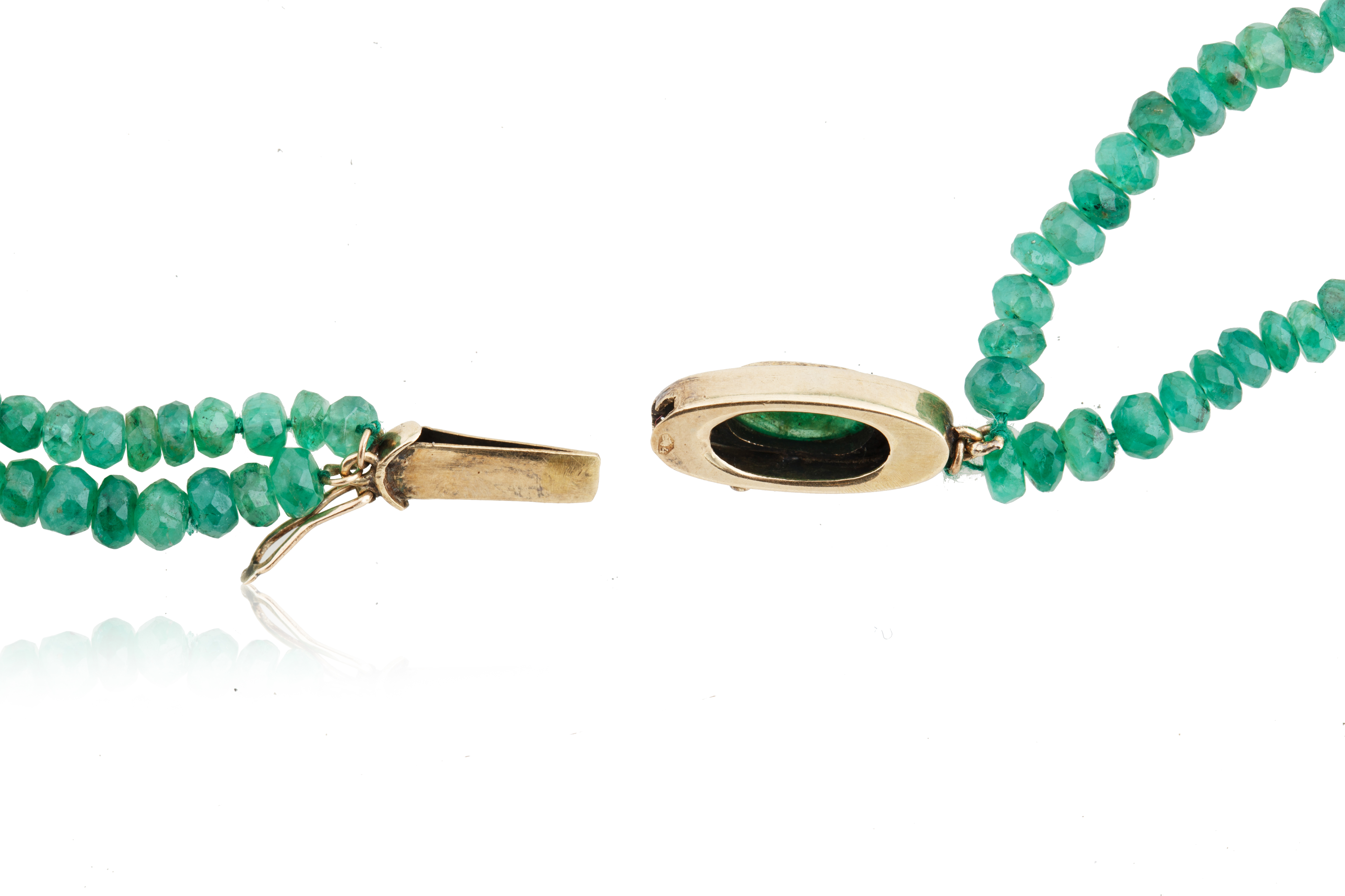 AN EMERALD, DIAMOND AND JADEITE BEADED NECKLACE, LIKELY FRENCH - Image 3 of 5