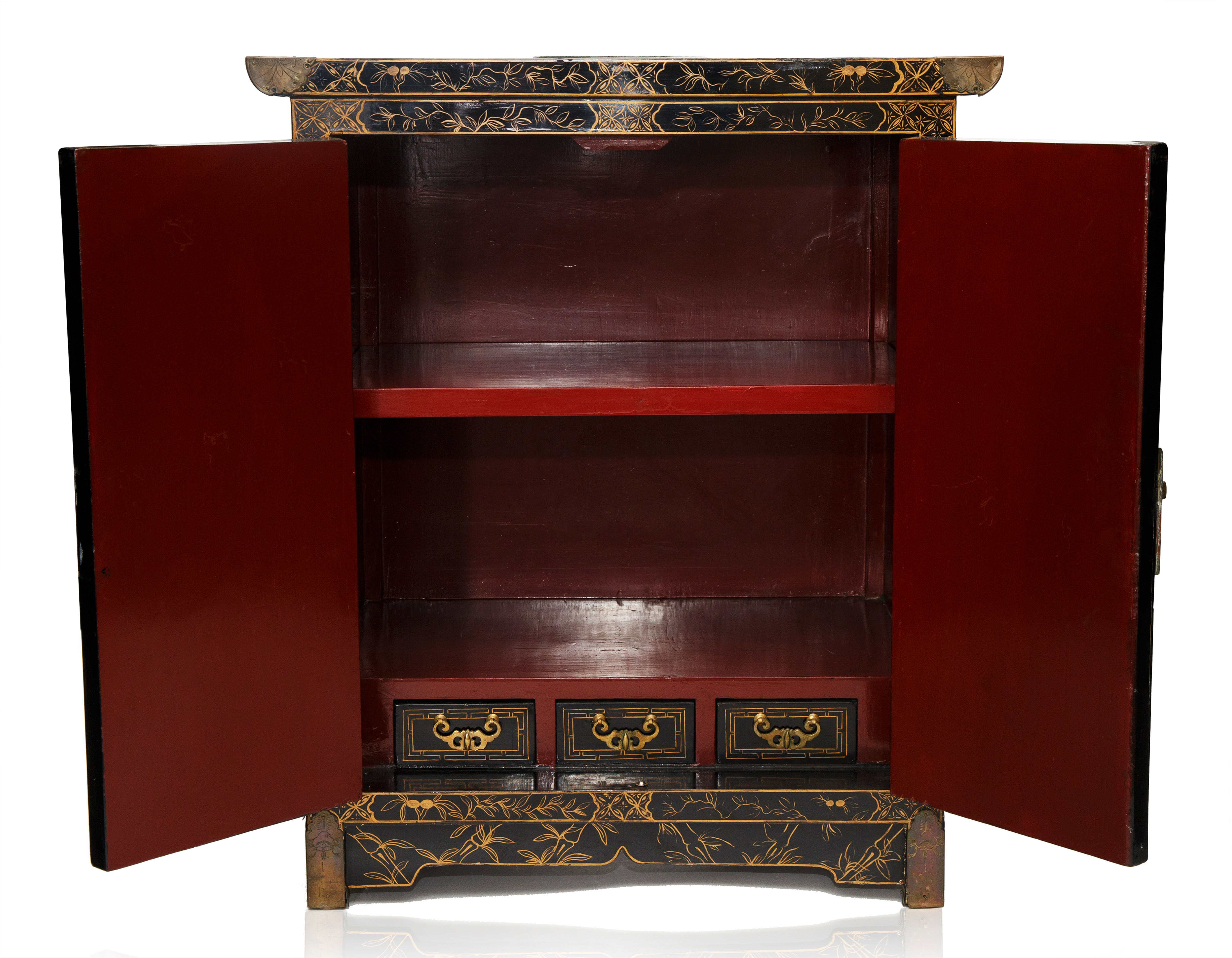 A MEIJI PERIOD JAPANESE EBONISED LACQUER CABINET - Image 3 of 4
