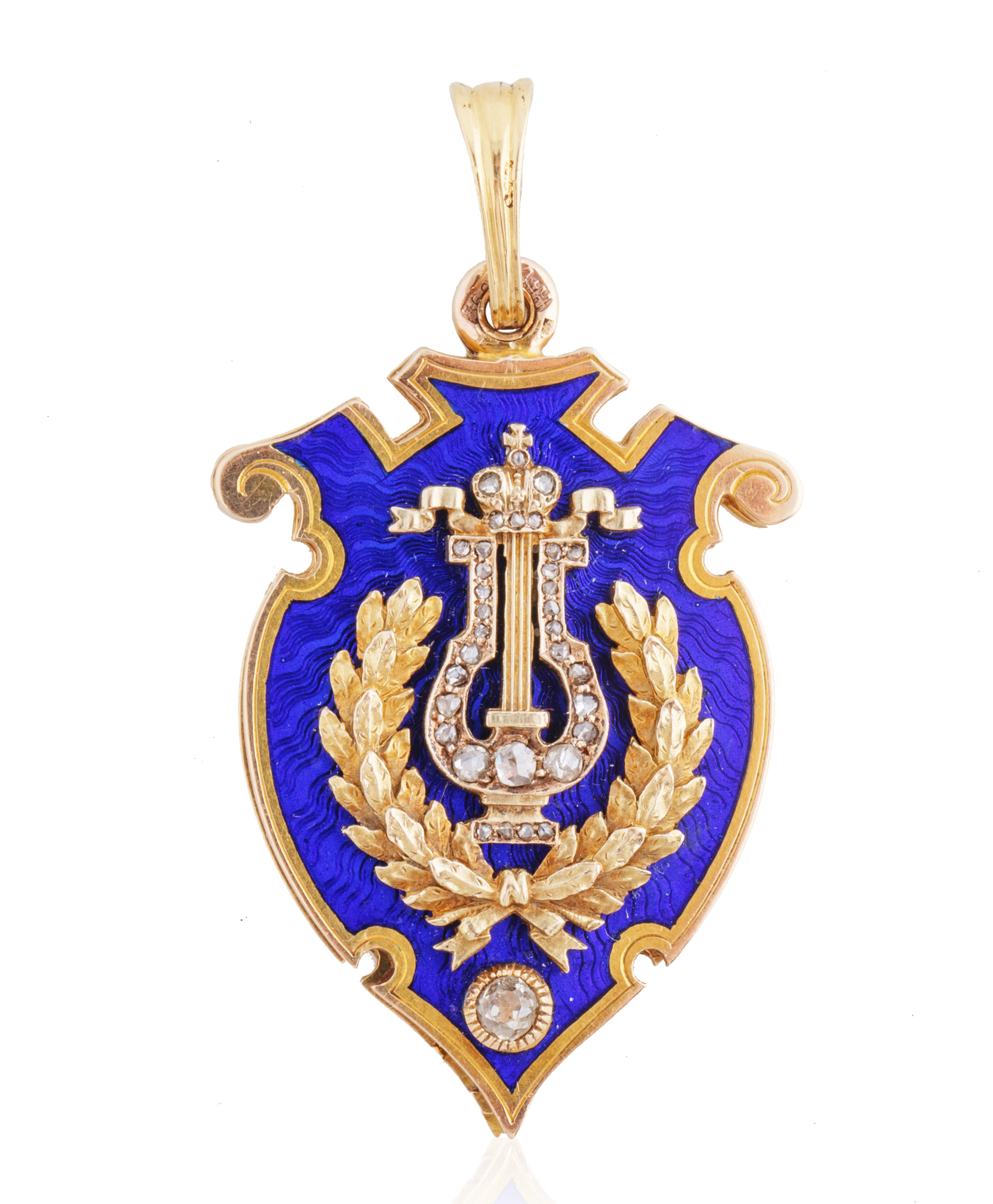 A 1899-1904 FABERGE GOLD, DIAMOND AND ENAMEL PRESENTATION LOCKET, WORKMASTER AUGUST HOLLMING