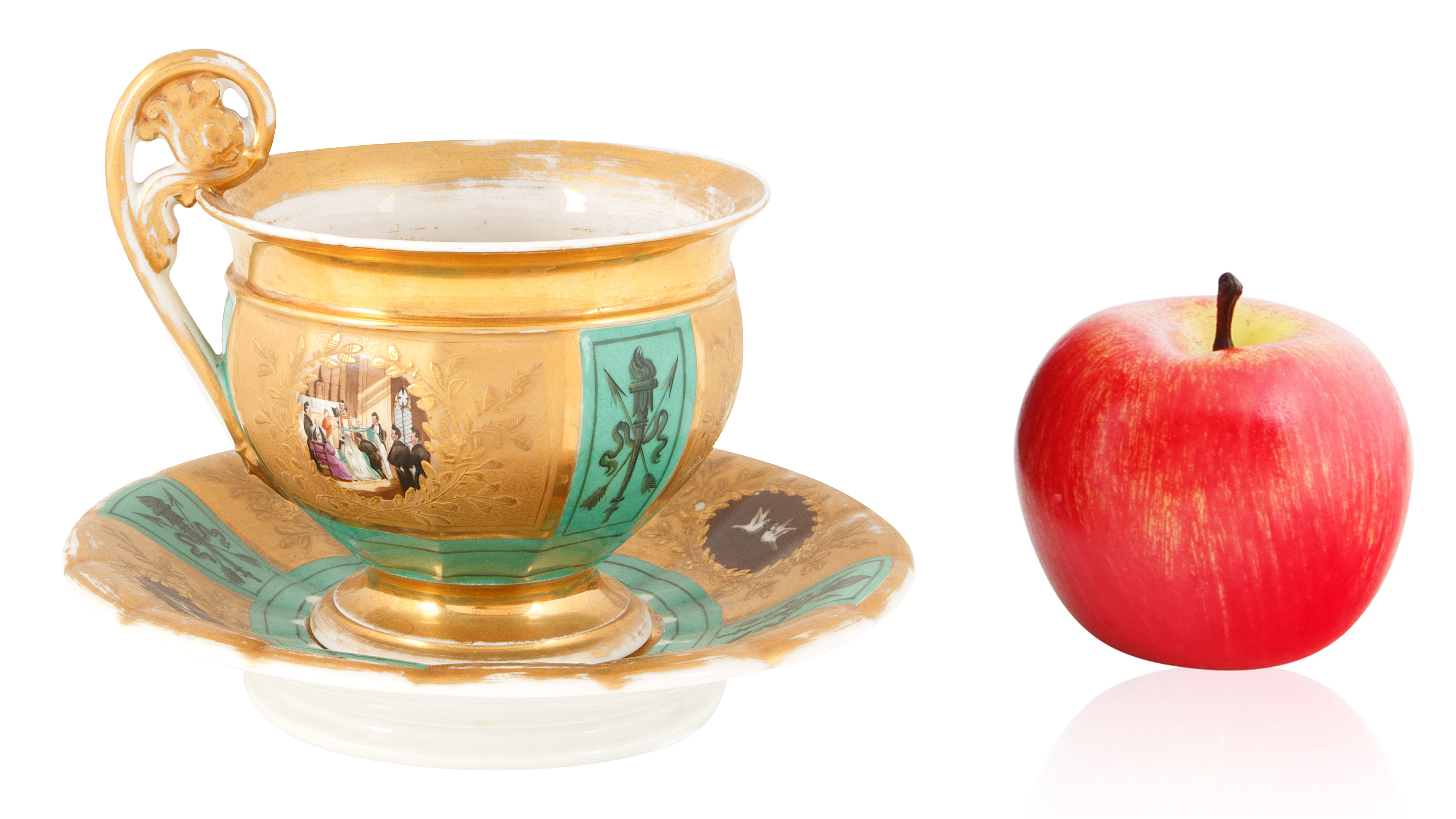 19TH CENTURY GILT PORCELAIN TEA CUP AND SAUCER - Image 5 of 5