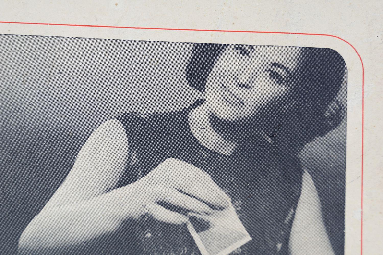 LIPTON'S TEA BAGS ORIGINAL VINTAGE POSTER - Image 2 of 4