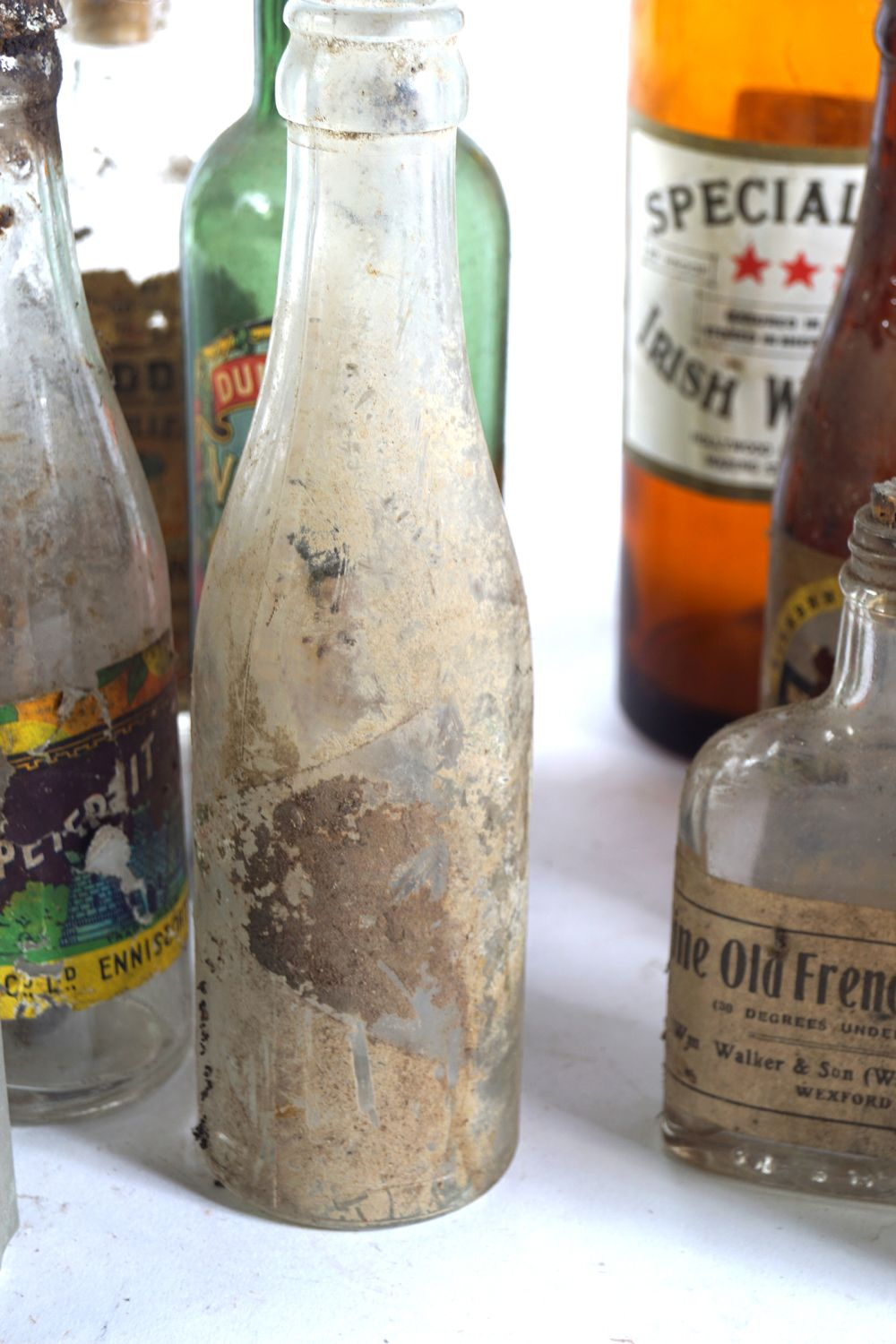 LOT OF 16 OLD WHISKEY AND BEER BOTTLES - Image 3 of 7