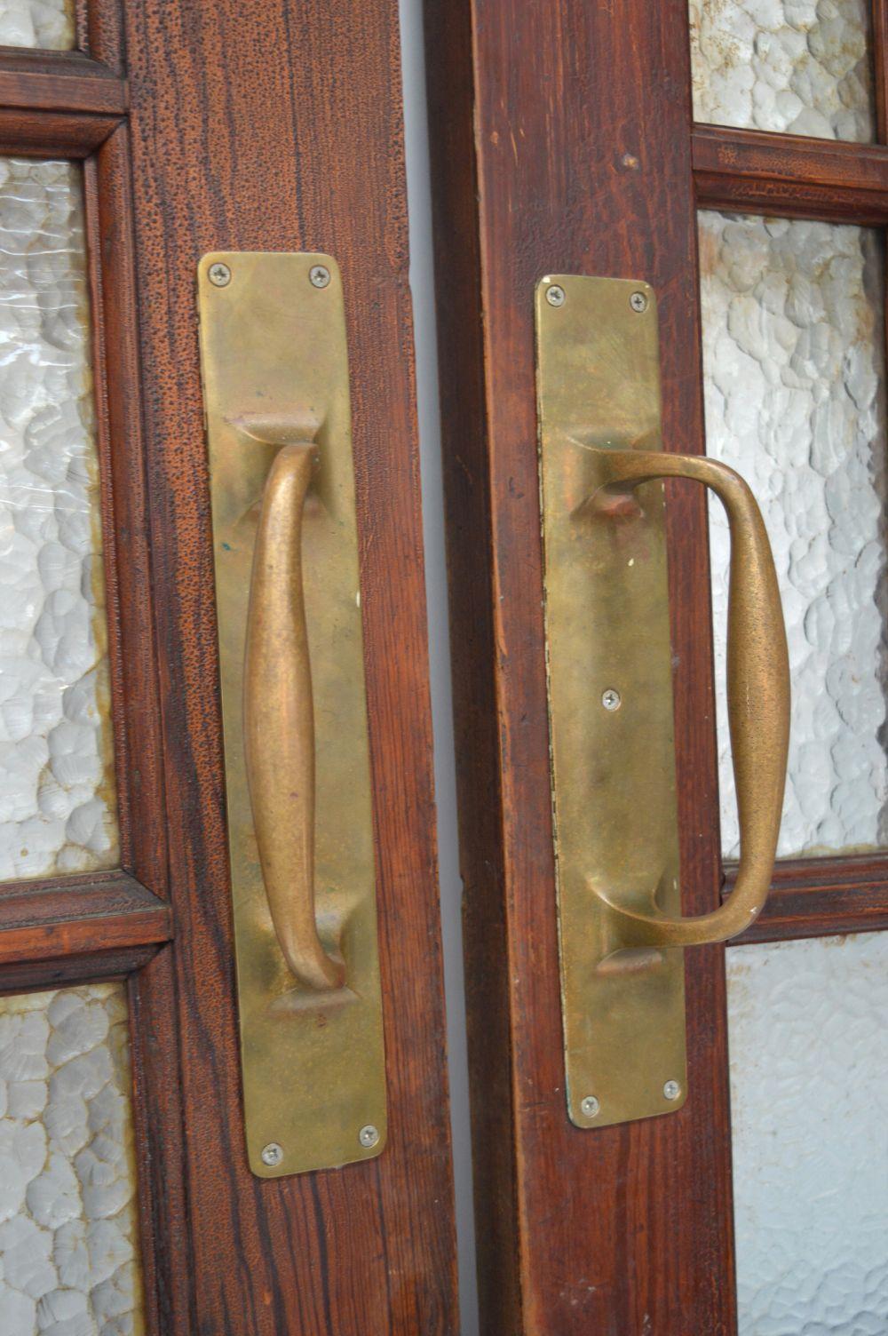 19TH-CENTURY SCUMBEL PITCH PINE SALOON DOORS - Image 2 of 3