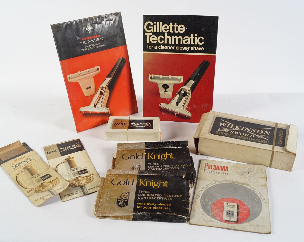GILLETTE TECHMATIC SELF- STANDING SIGN - Image 2 of 6