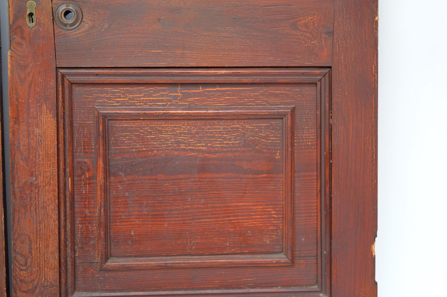 19TH-CENTURY SCUMBEL PITCH PINE SALOON DOORS - Image 3 of 3