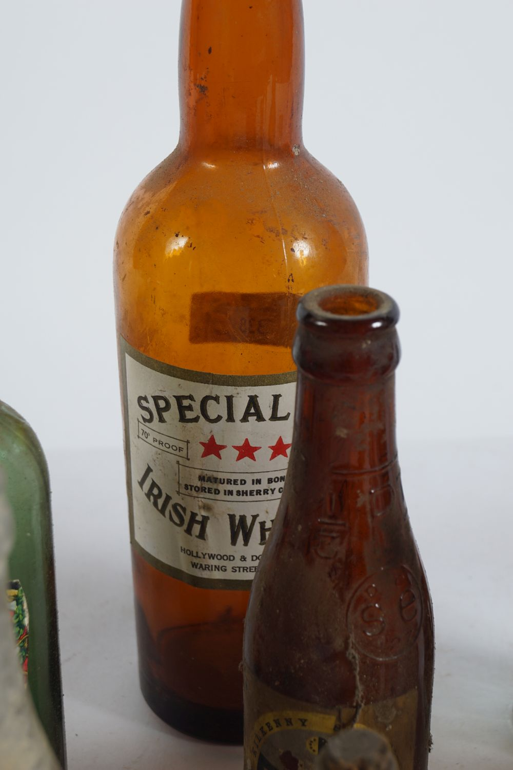 LOT OF 16 OLD WHISKEY AND BEER BOTTLES - Image 4 of 7
