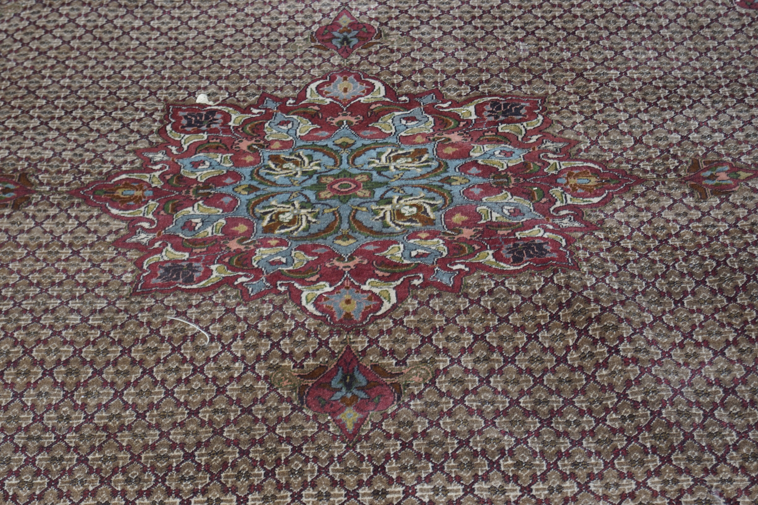 EARLY 20TH-CENTURY PERSIAN CARPET - Image 3 of 4