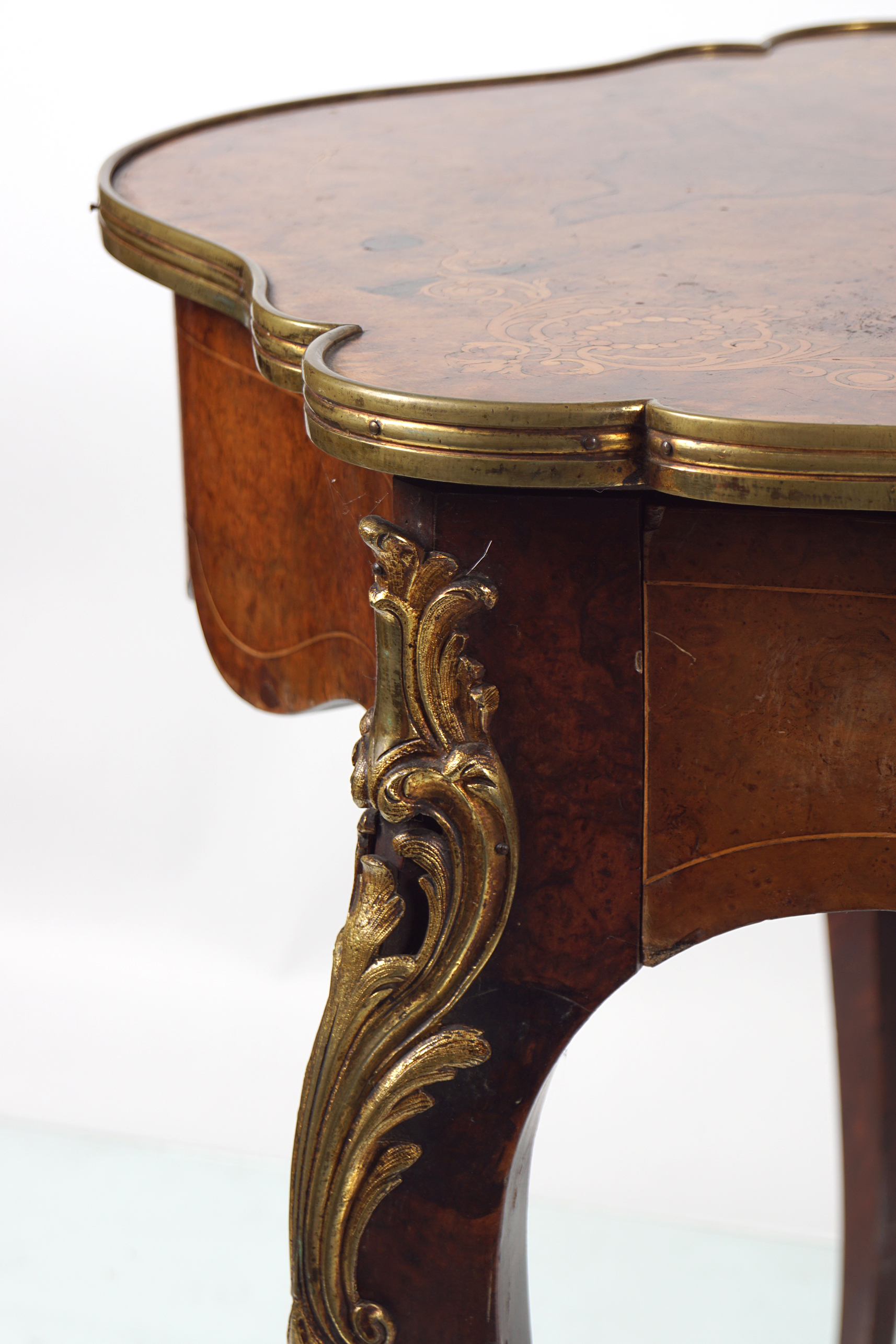 VICTORIAN INLAID WALNUT CENTRE TABLE - Image 5 of 5