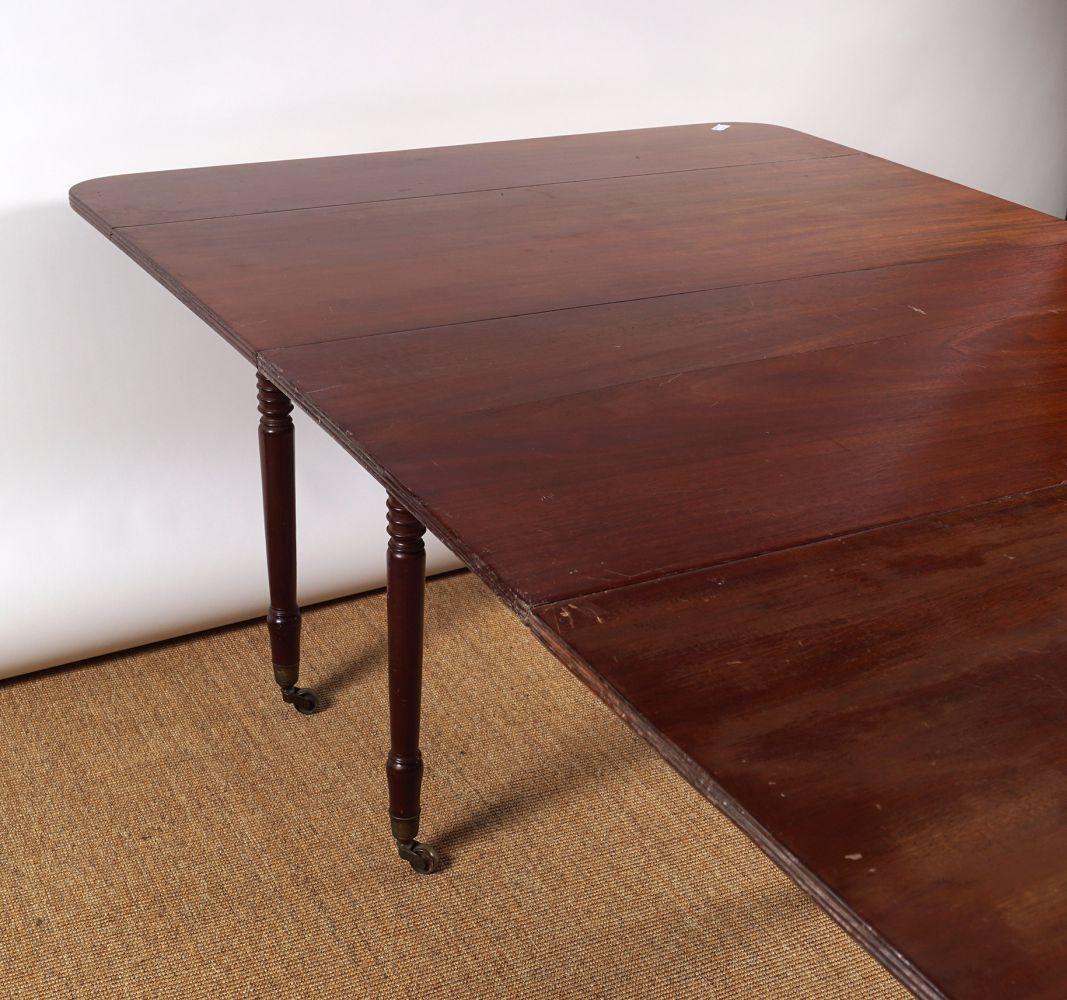 REGENCY PERIOD MAHOGANY DINING TABLE - Image 4 of 8