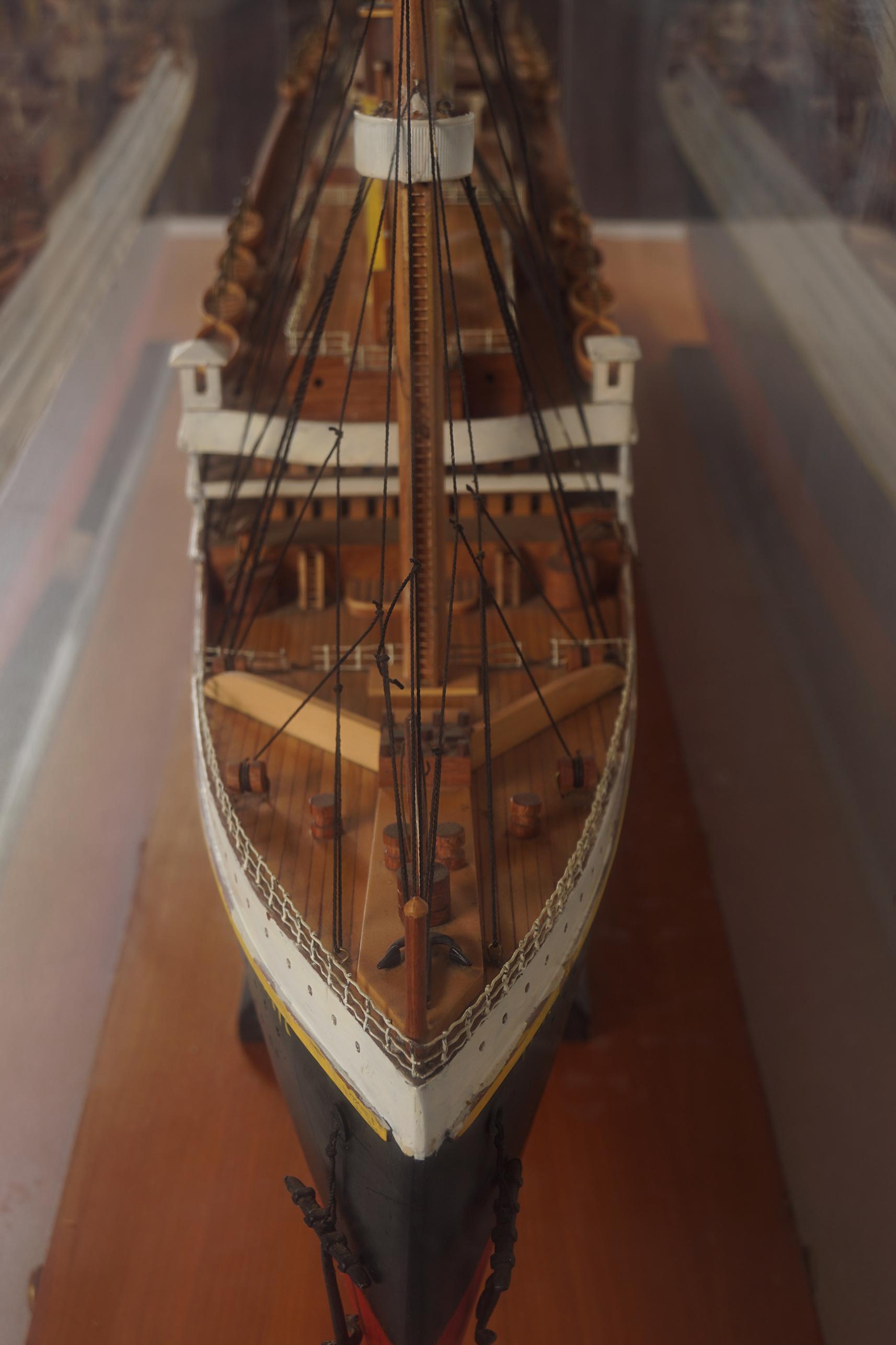 LARGE MODEL STEAM SHIP - Image 8 of 8