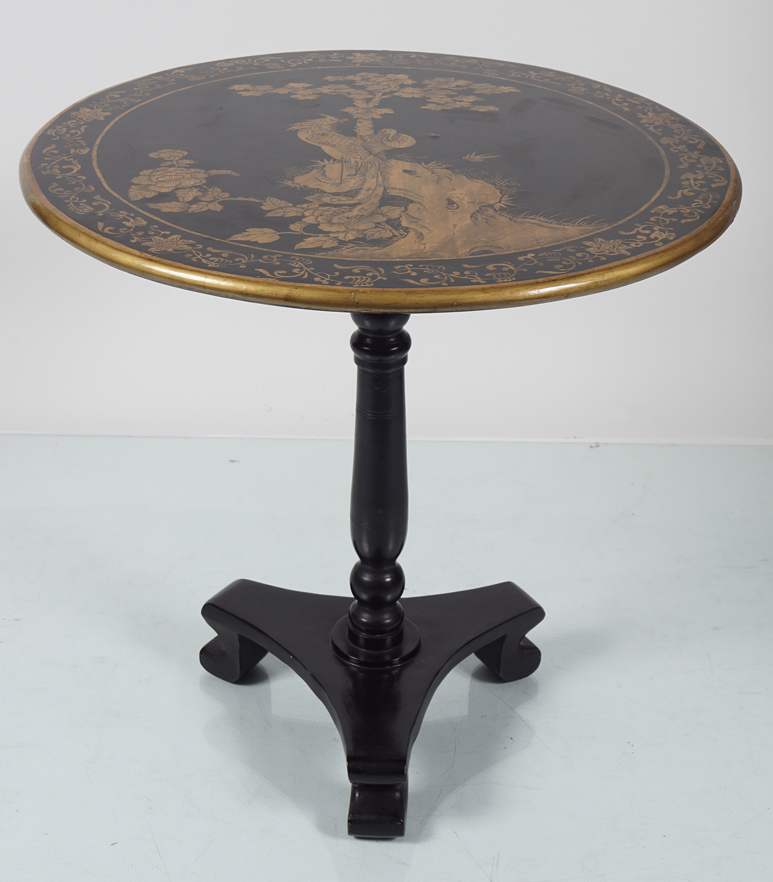 CHINESE LACQUERED LOW TABLE - Image 2 of 4
