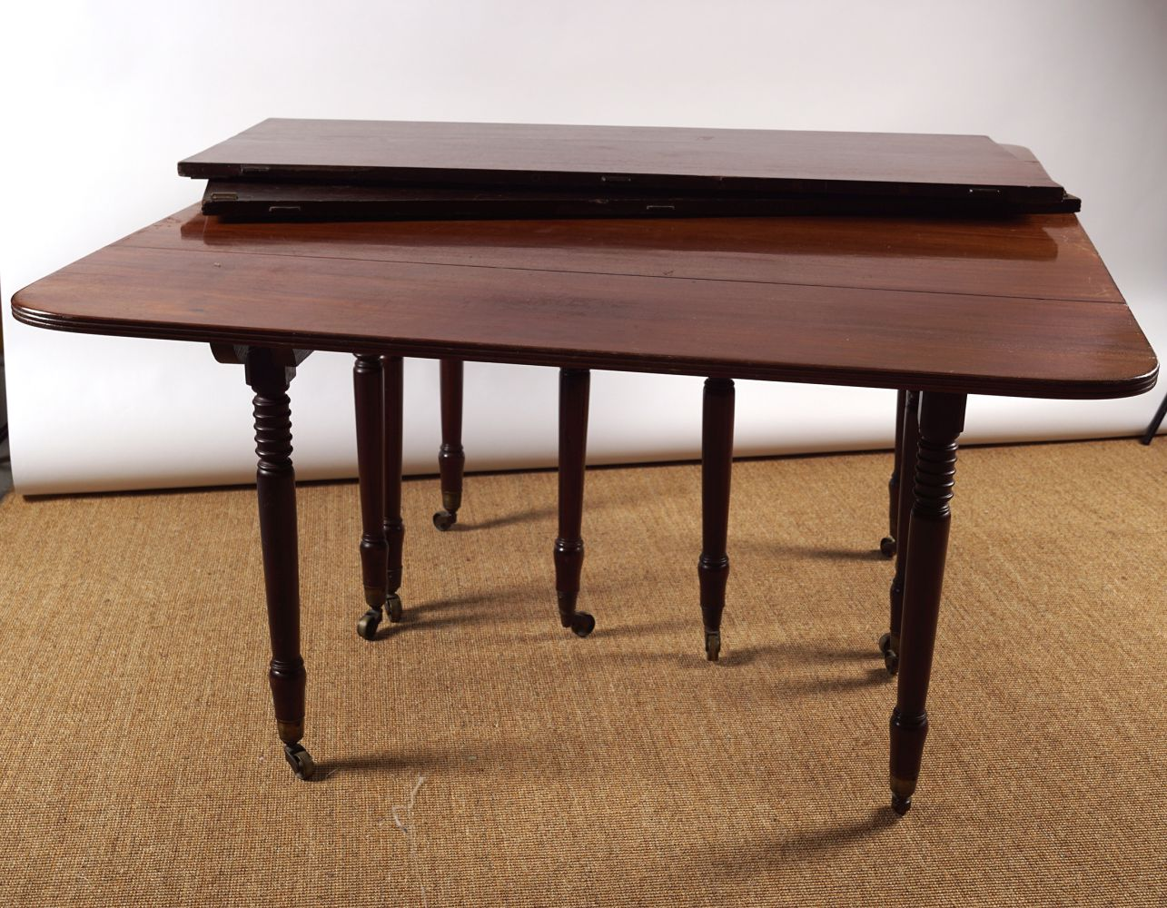 REGENCY PERIOD MAHOGANY DINING TABLE - Image 7 of 8