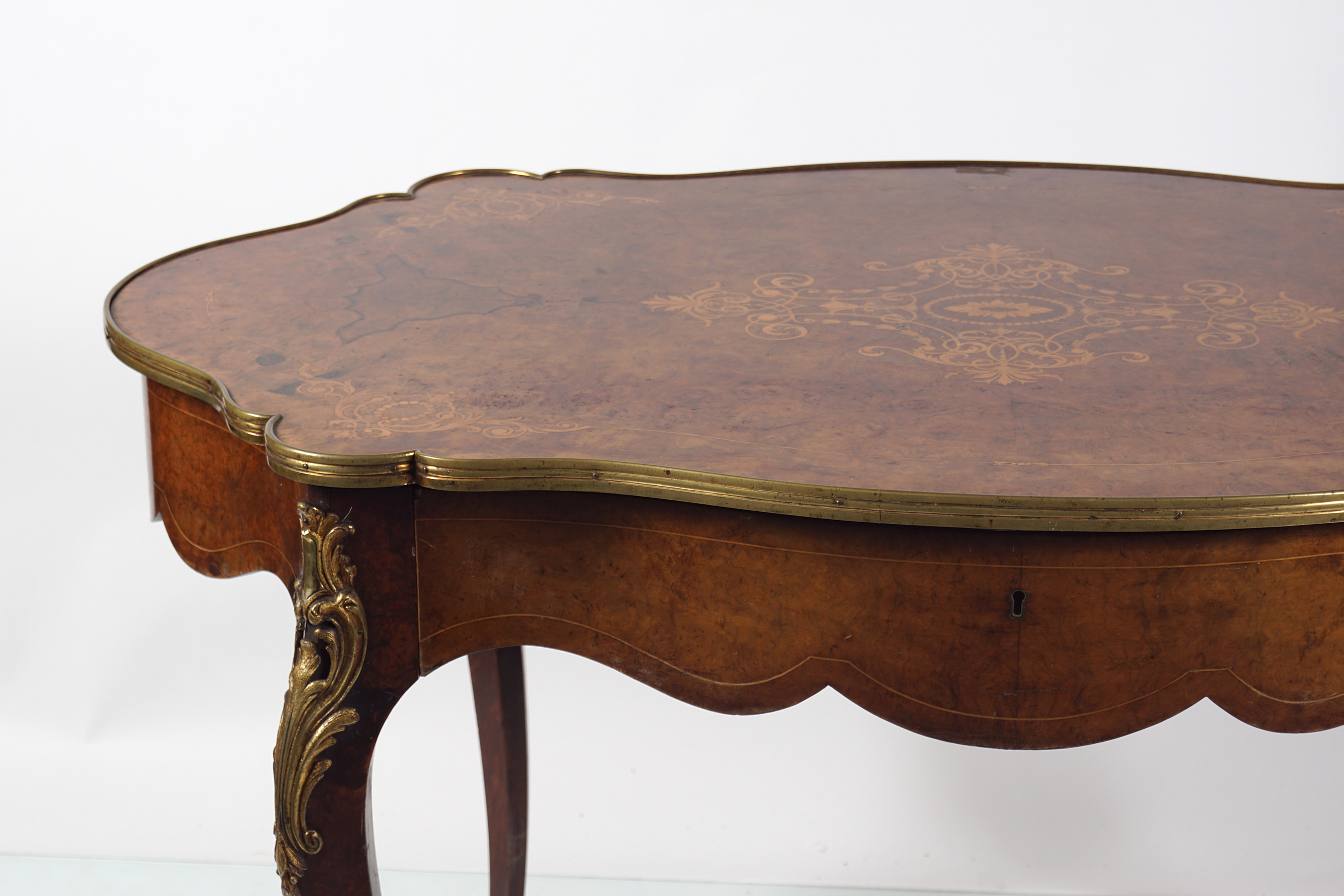 VICTORIAN INLAID WALNUT CENTRE TABLE - Image 2 of 5