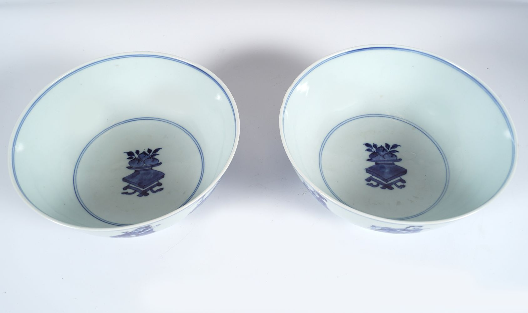 PAIR OF CHINESE BLUE AND WHITE BOWLS - Image 4 of 6