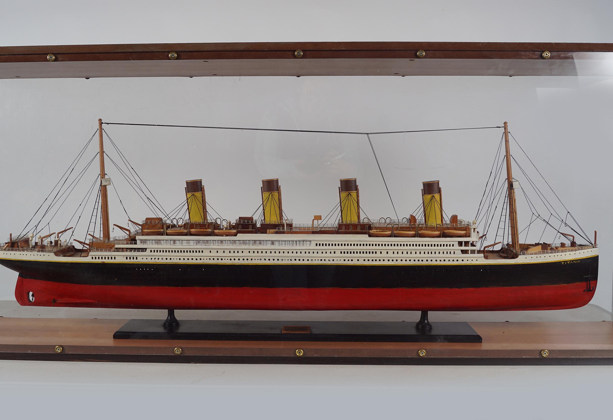 LARGE MODEL STEAM SHIP - Image 2 of 8