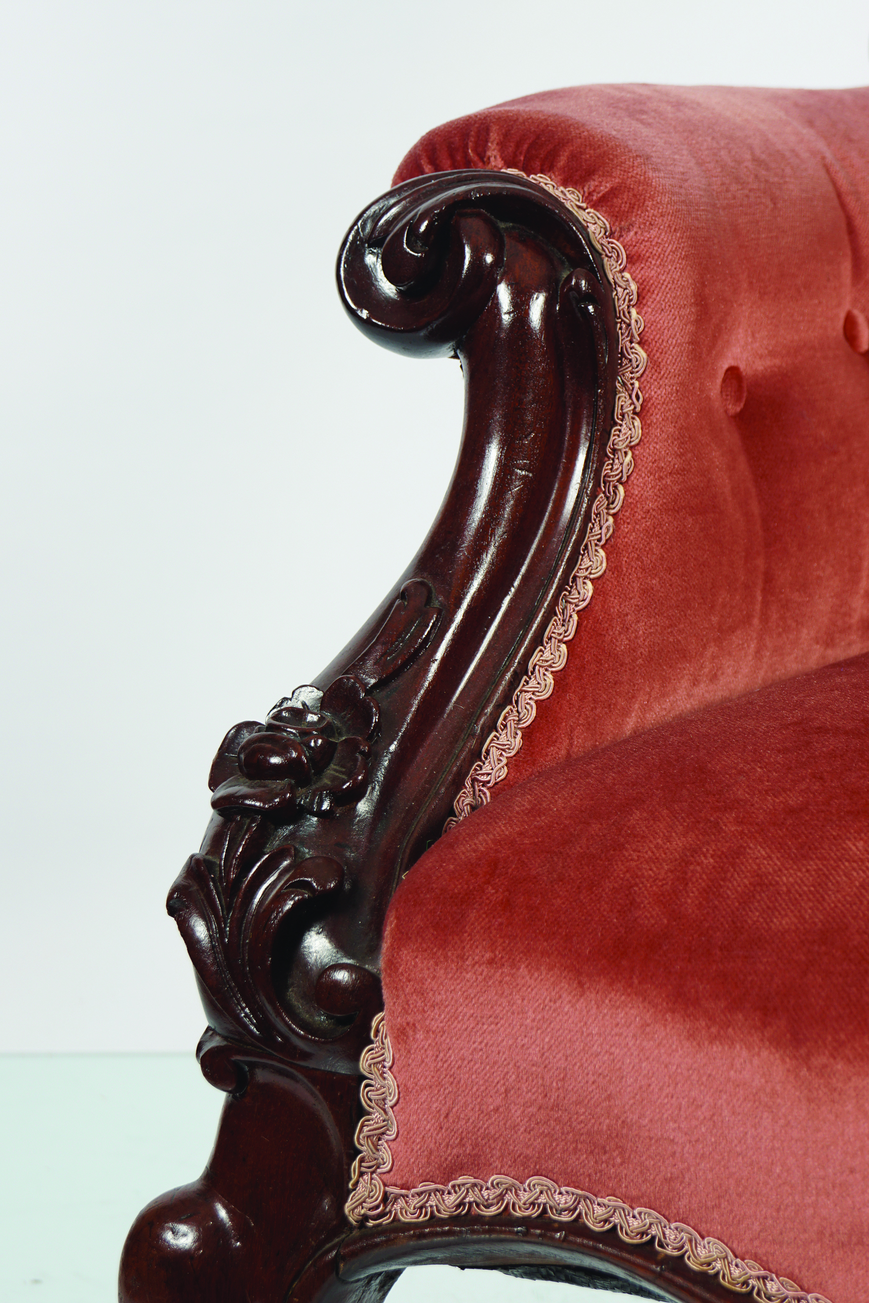 EARLY VICTORIAN MAHOGANY SHOW FRAME ARMCHAIR - Image 2 of 2
