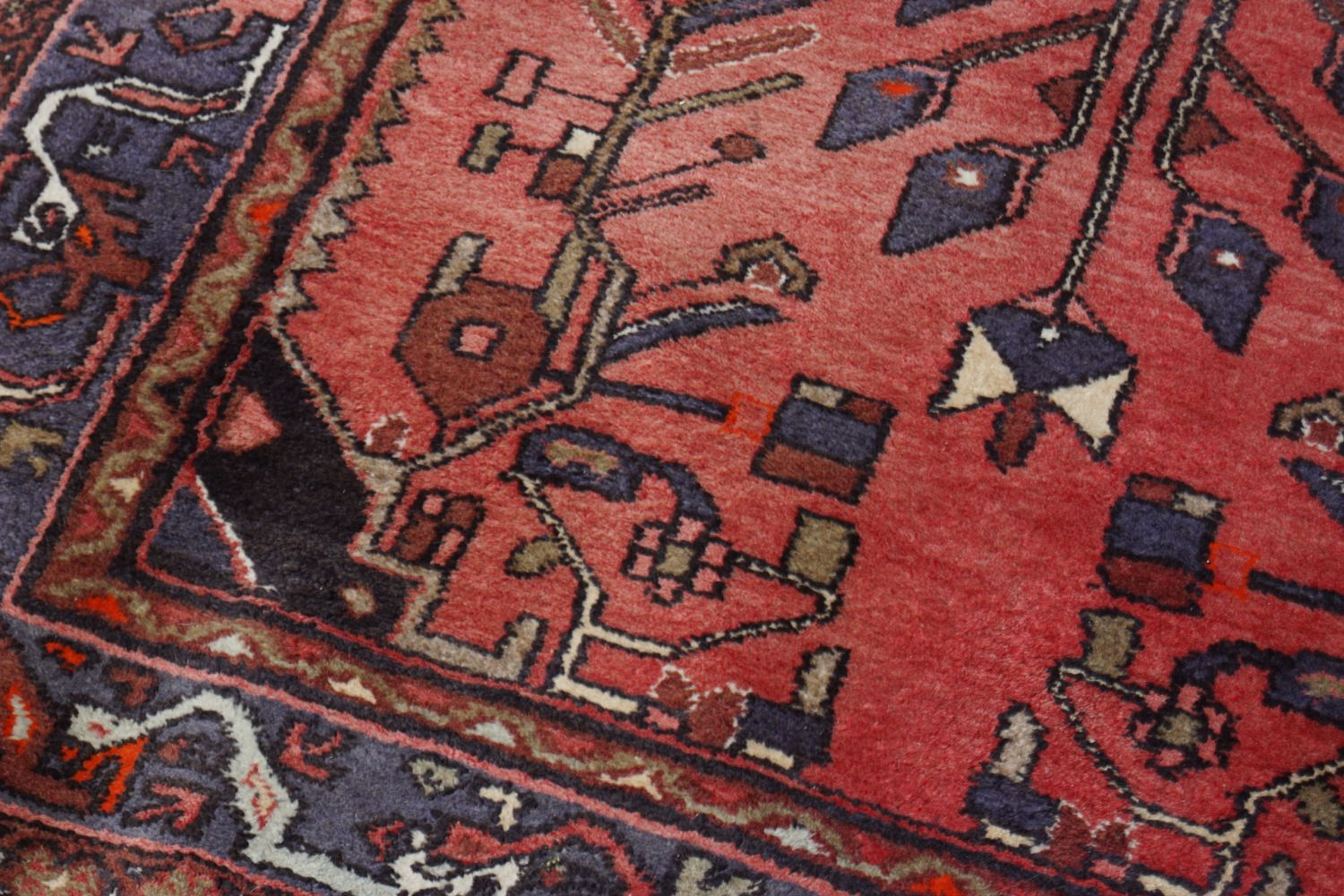 LARGE PERSIAN RUG - Image 4 of 5