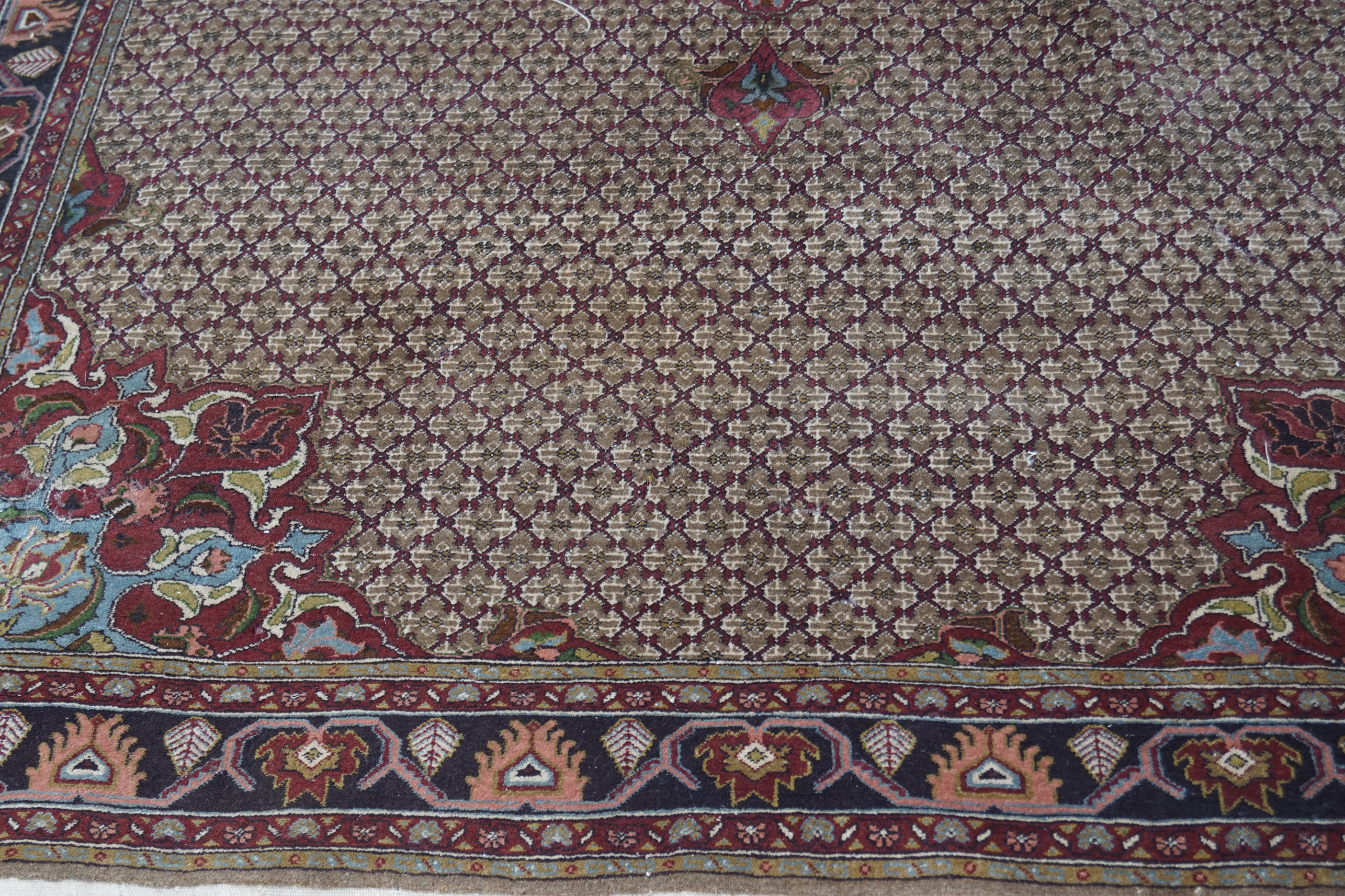 EARLY 20TH-CENTURY PERSIAN CARPET - Image 2 of 4