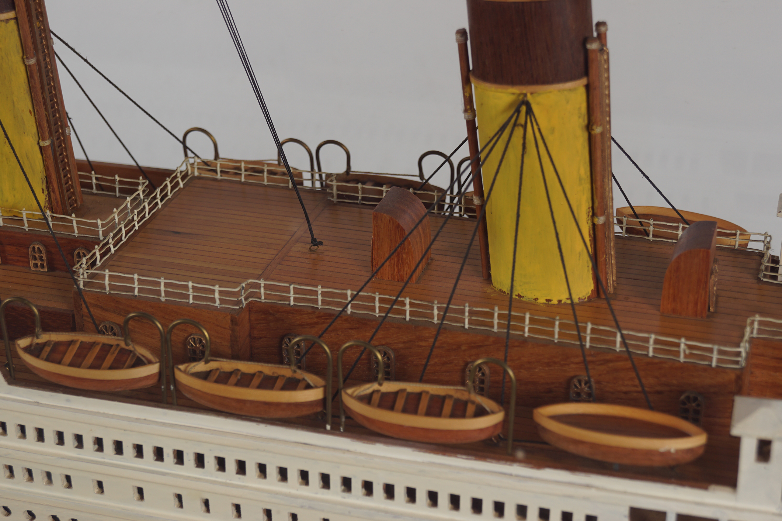 LARGE MODEL STEAM SHIP - Image 4 of 8