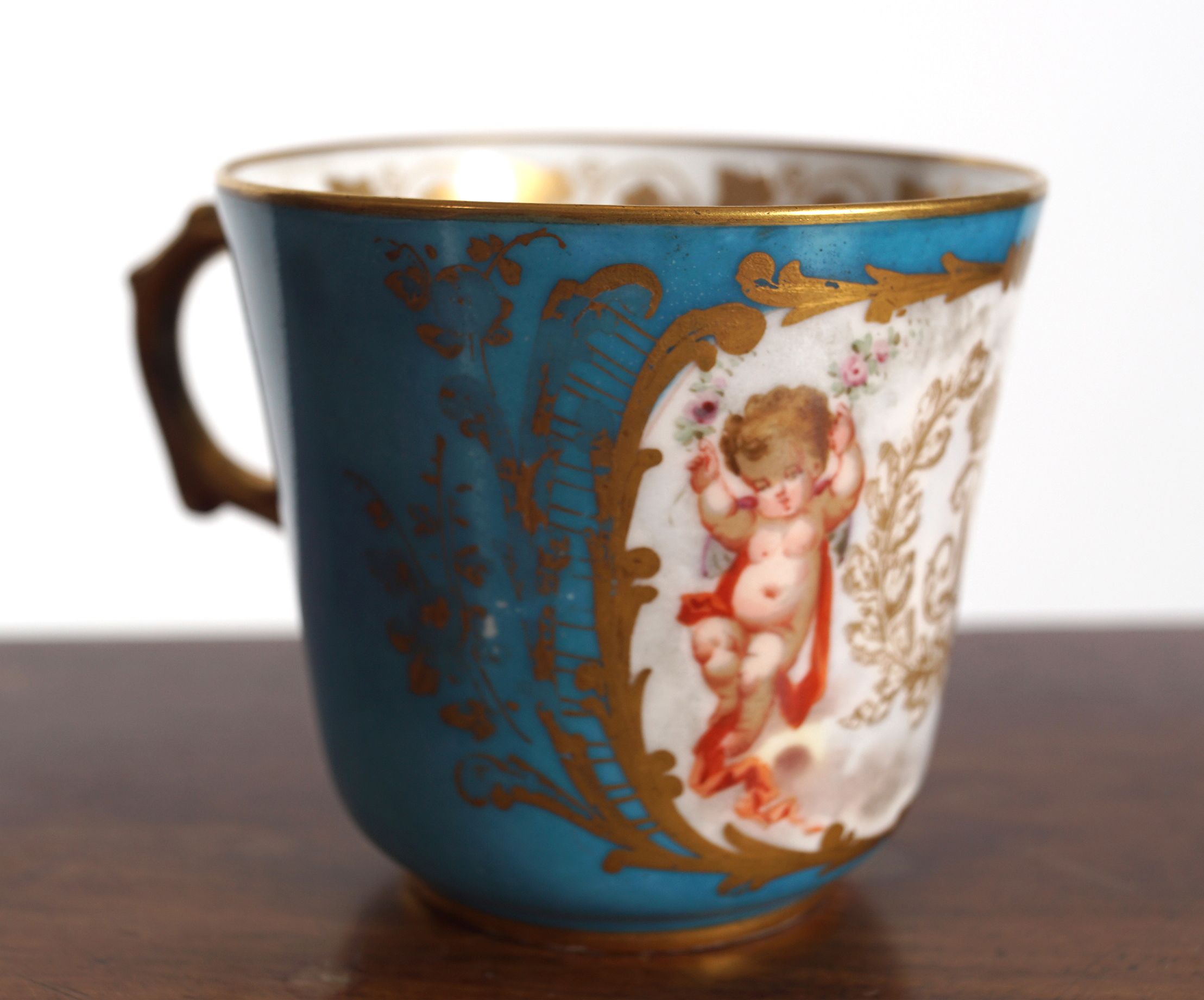 19TH-CENTURY SEVRES CUP