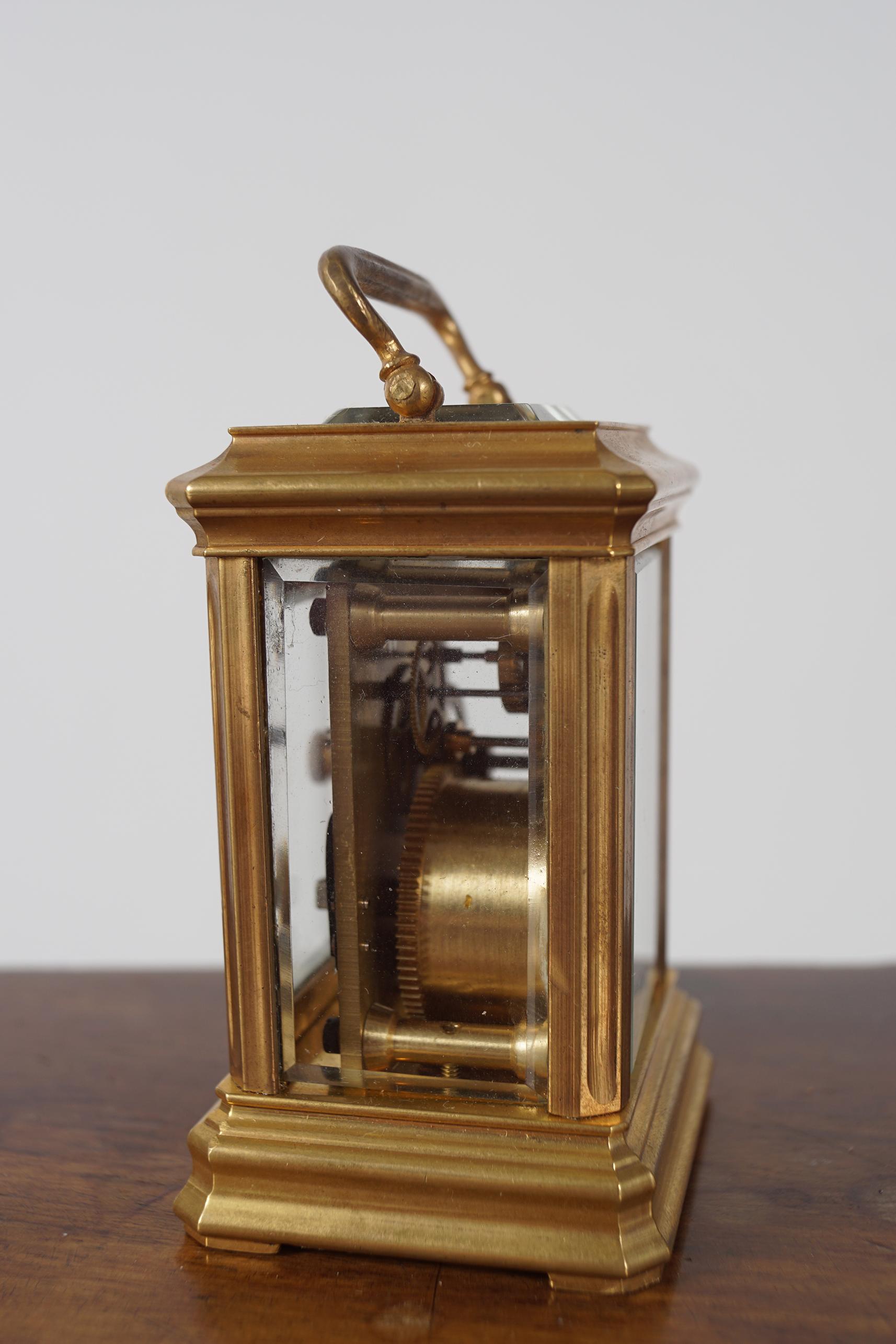 MINIATURE BRASS CARRIAGE CLOCK - Image 2 of 4