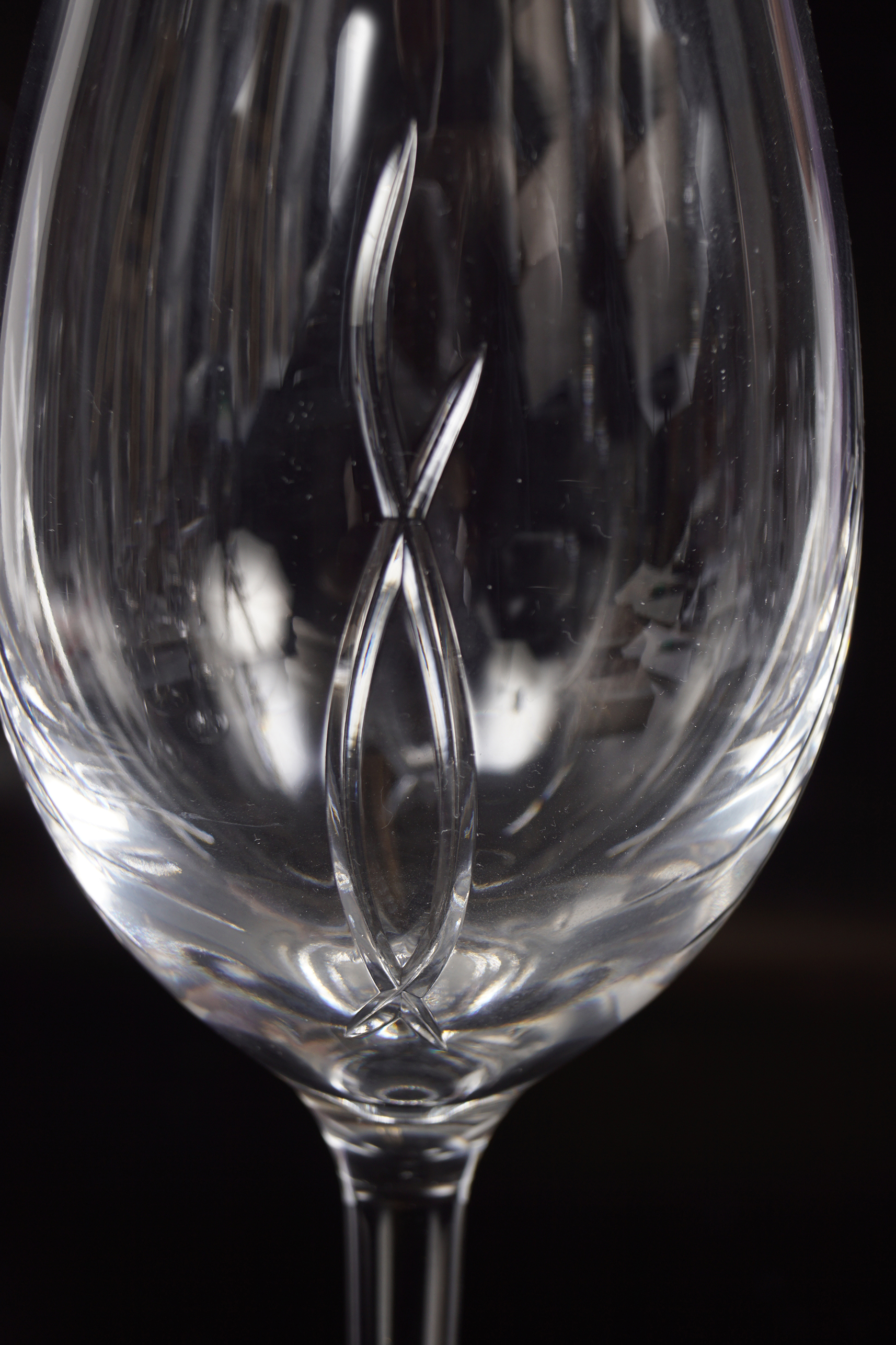 24 WATERFORD CRYSTAL WINE GOBLETS - Image 2 of 3